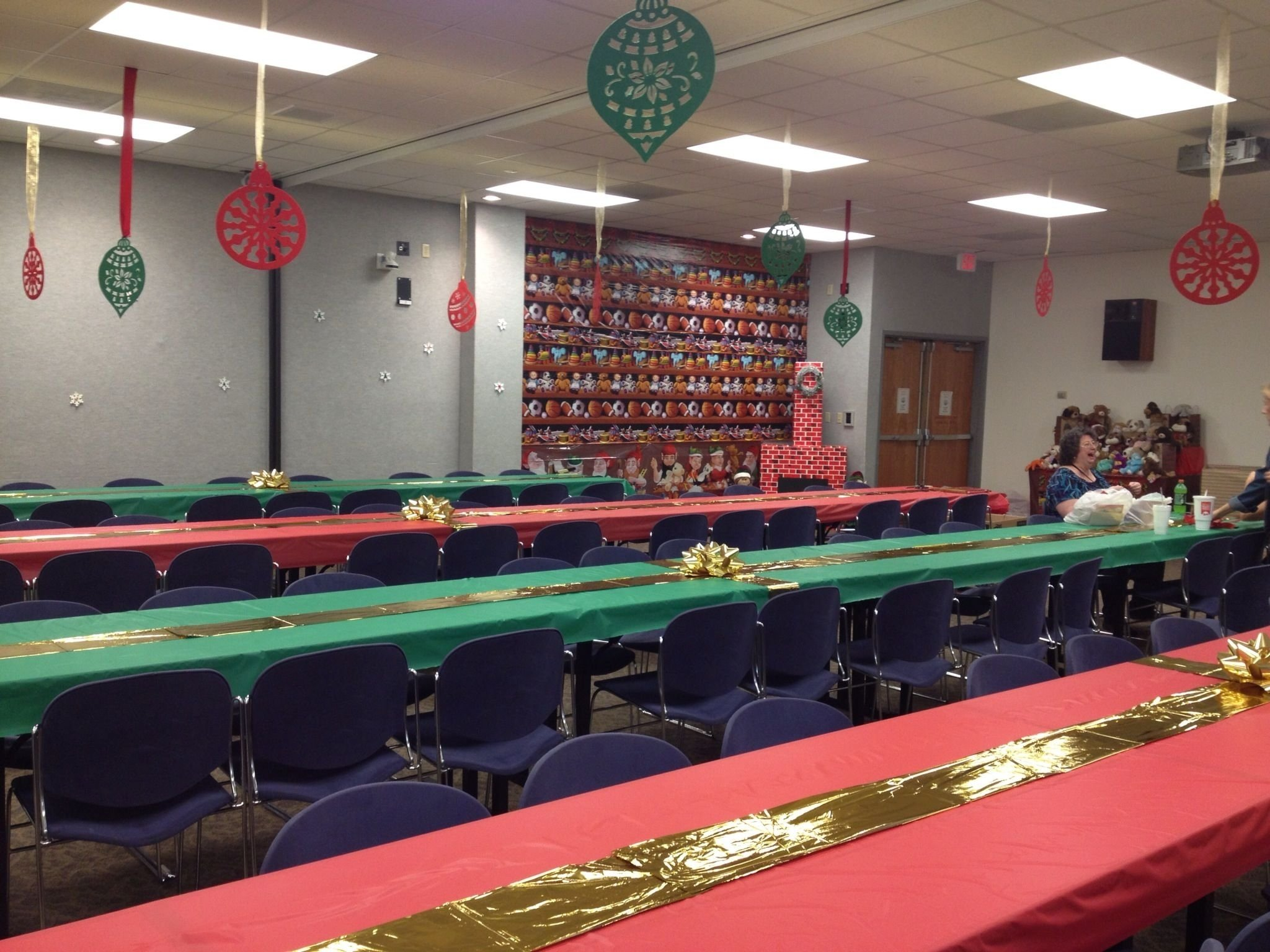 10 Ideal Ideas For Office Christmas Parties office christmas party decorations holidays pinterest 2020