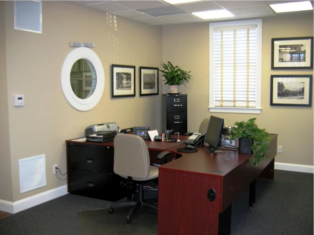 10 Best Ideas For Decorating Your Office At Work office decor ideas for work home designs professional office office