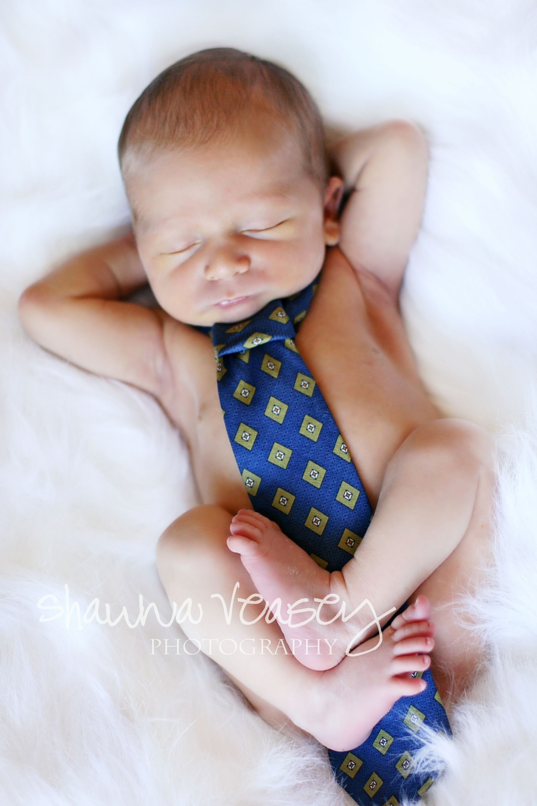 10 Gorgeous Cute Newborn Baby Picture Ideas ok we have to have a boy if for no other reason than to take a