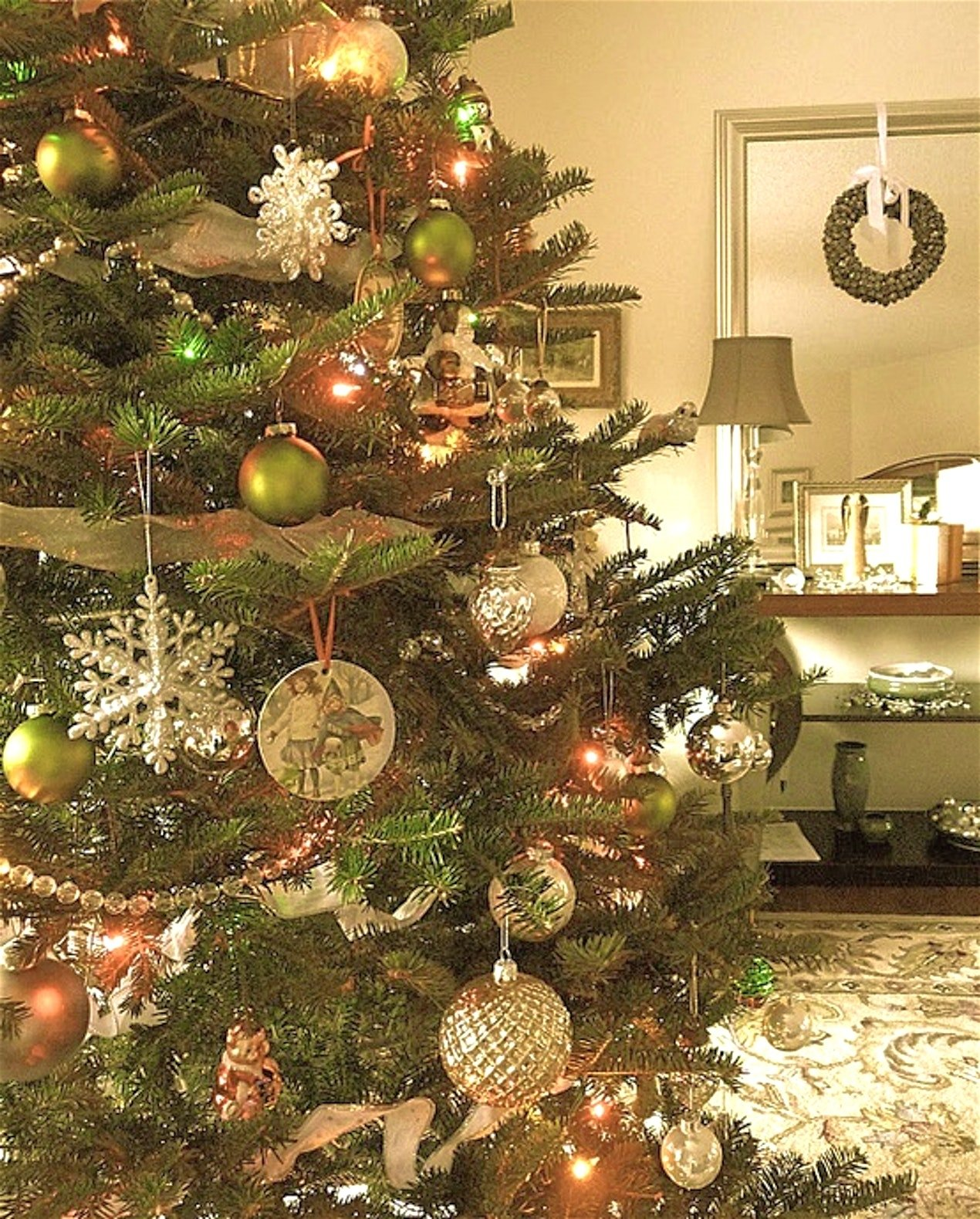 10 beautiful old fashioned christmas decorating ideas luxury shape - Old Fashioned Christmas Decorating Ideas