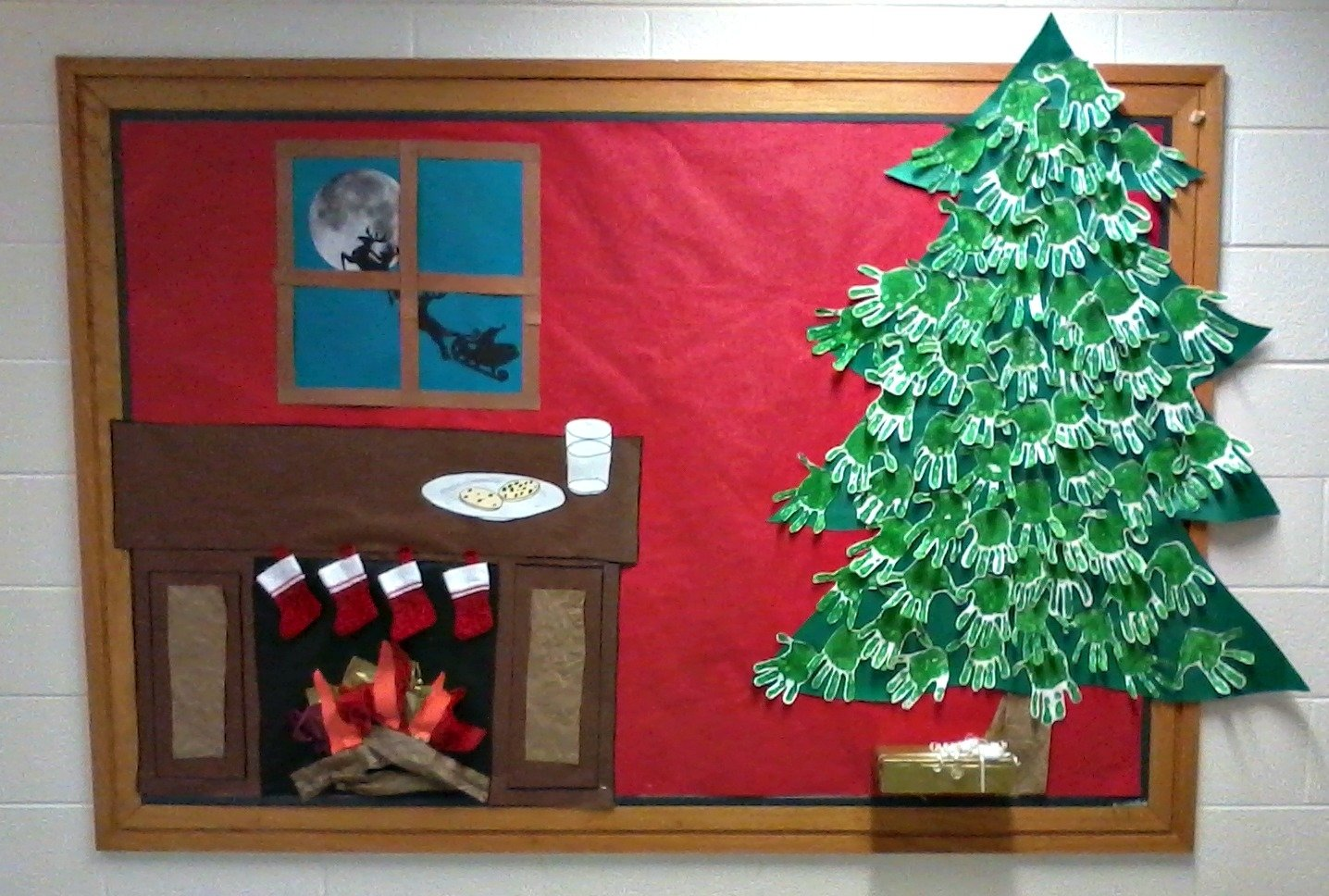 10 Attractive Christmas Tree Bulletin Board Ideas on christmas night holiday bulletin board idea supplyme 1 2021