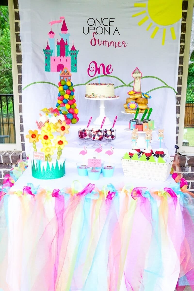 10 Fashionable Birthday Party Ideas For A 1 Year Old Once Upon Summer First