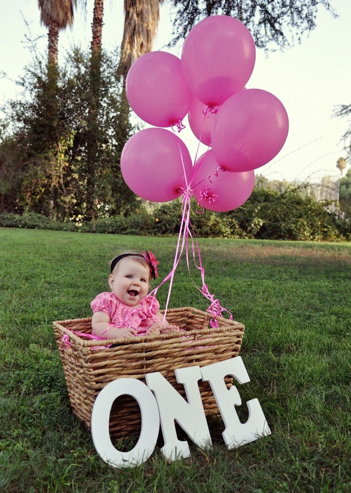 10 Cute One Year Old Birthday Ideas one year old photo shoot although there will probably be snow on 1 2020