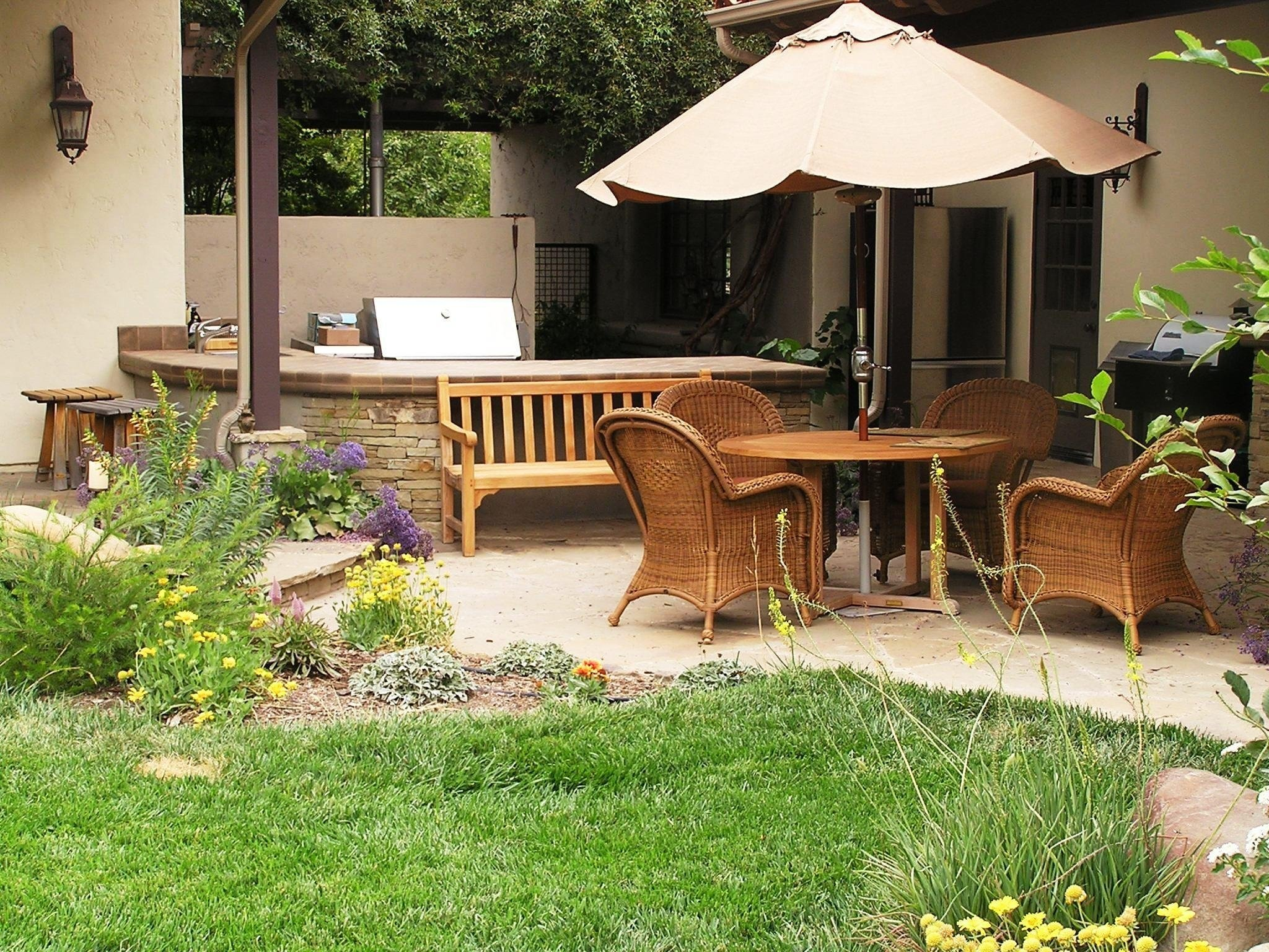 10 Perfect Outdoor Patio Ideas For Small Spaces outdoor patio ideas for small spaces riothorseroyale homes 2020