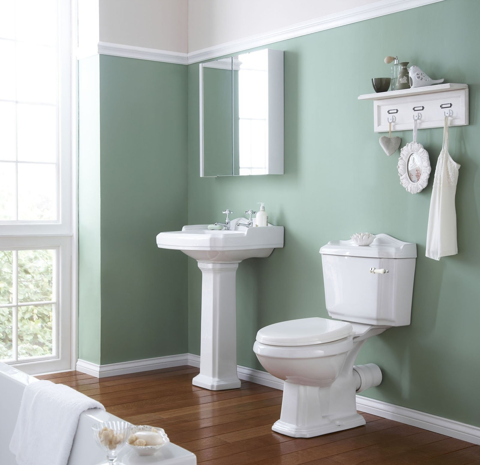 10 Pretty Paint Ideas For Small Bathrooms paint colors for master bathroom for bathrooms that are painted a 4 2021