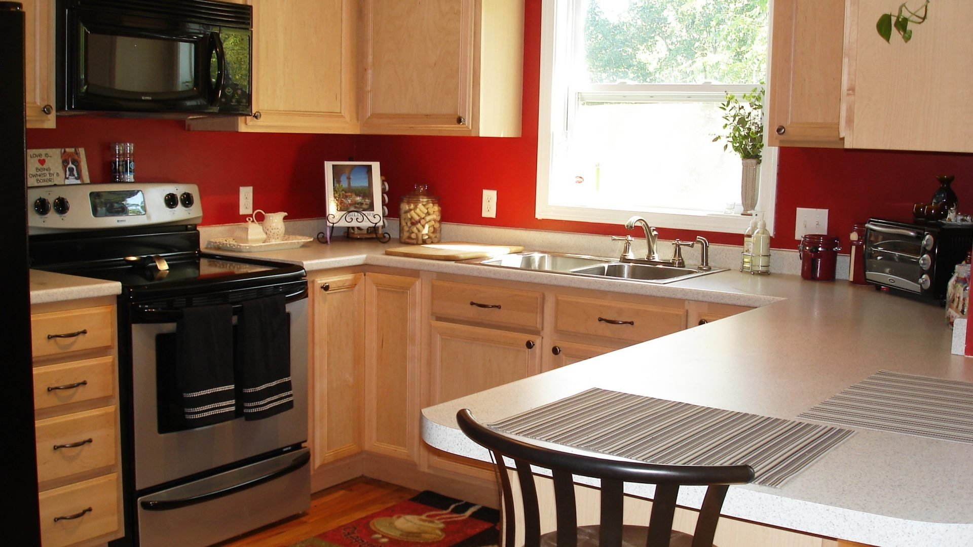 10 Amazing Kitchen Color Ideas For Small Kitchens paint colors for small kitchens with white cabinets cabinet 2021