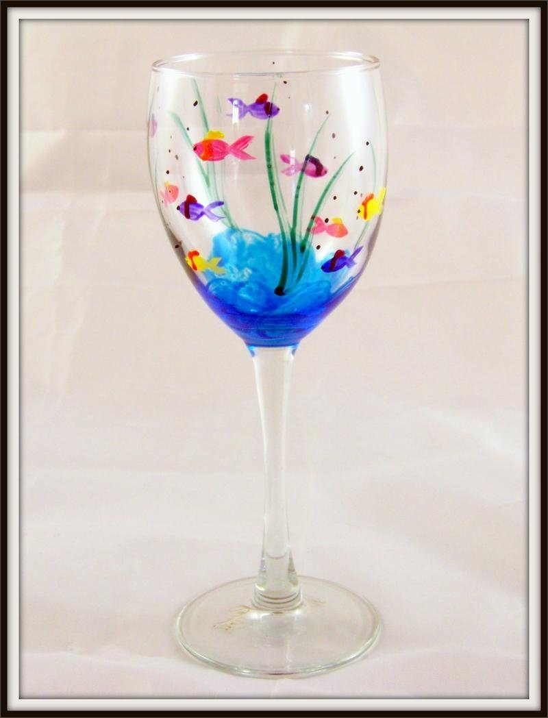 10 Fabulous Hand Painted Wine Glasses Ideas painted wine glasses ideas hand painted fish wine glass glass 2020