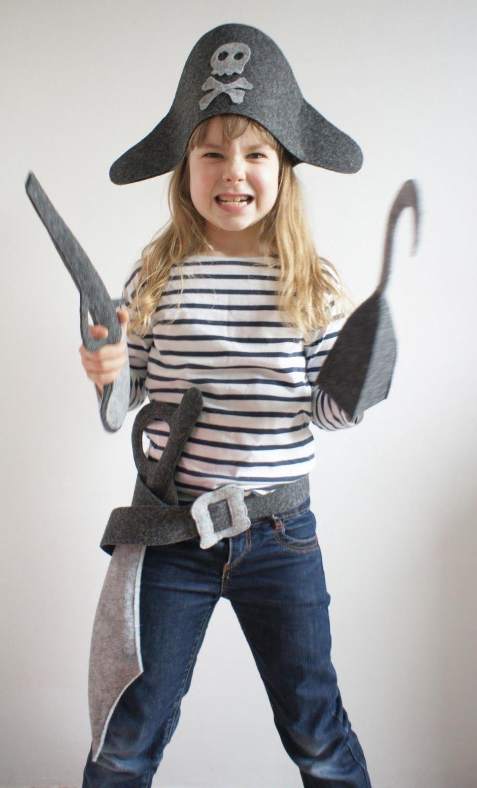 10 Attractive Homemade Pirate Costume Ideas For Kids pan pepe lena jako kapitan hak pirata play costumes pinterest 2020