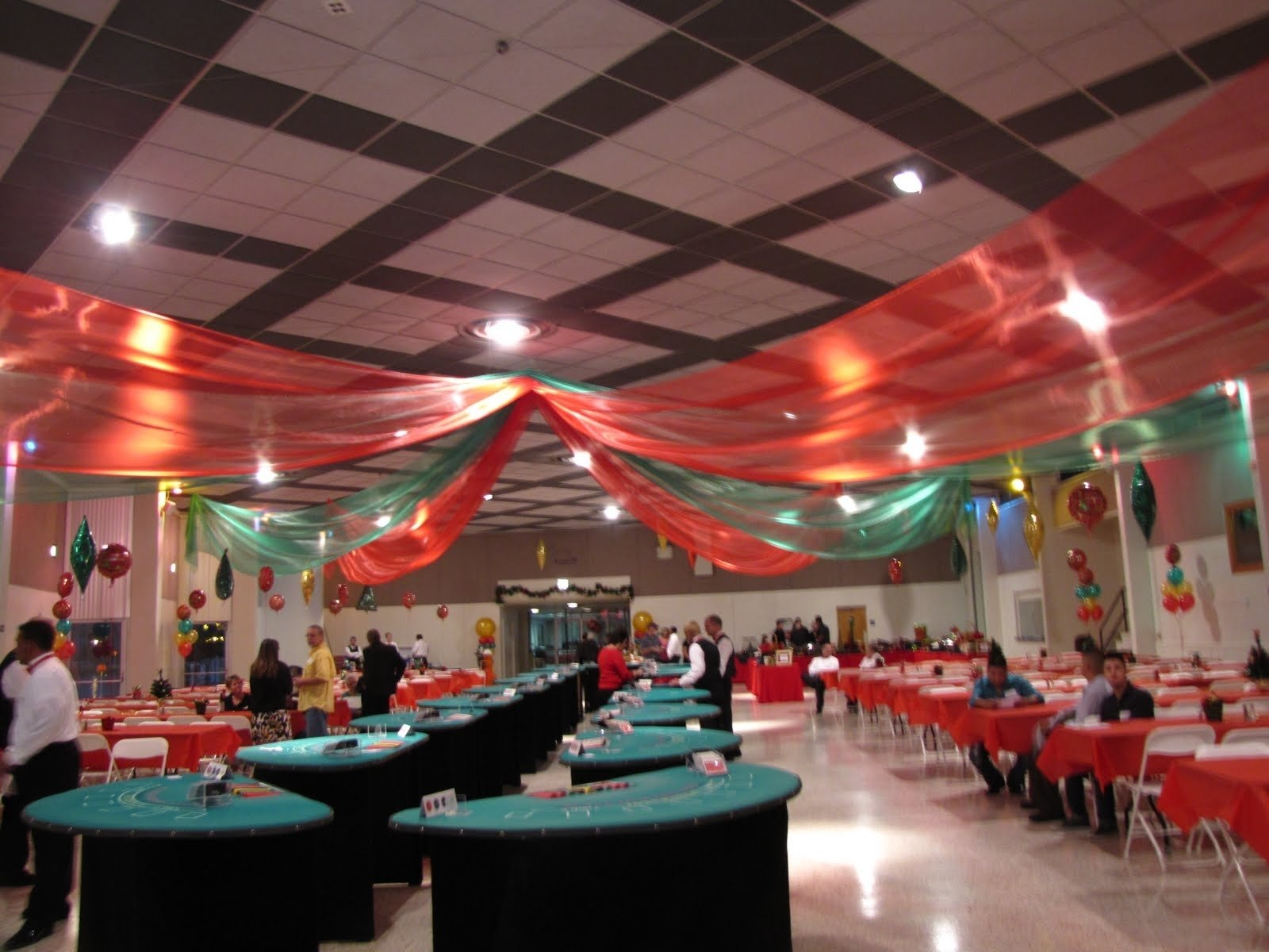 10 Lovely Ideas For Company Christmas Parties party people event decorating company christmas party lake mirror 2020