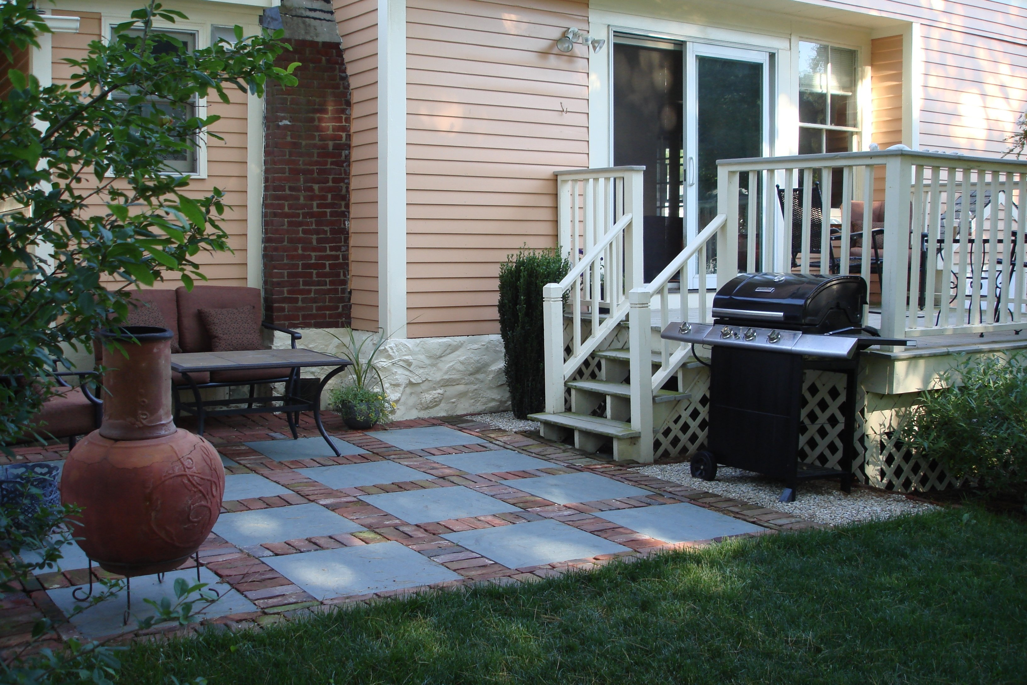 10 Lovely Small Patio Ideas On A Budget patio design ideas on a budget with images savwi 2020