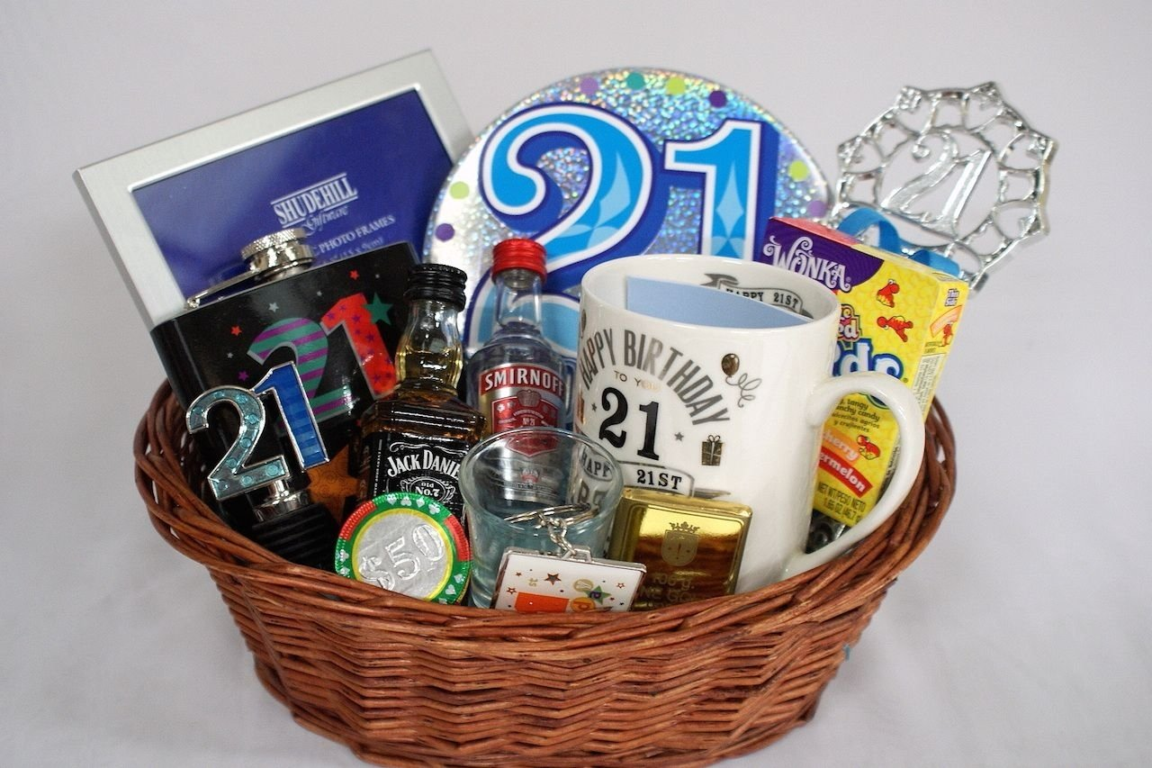 10 Lovable Gift Ideas For 21 Year Old Personalised 21st Birthday Basket Gifts