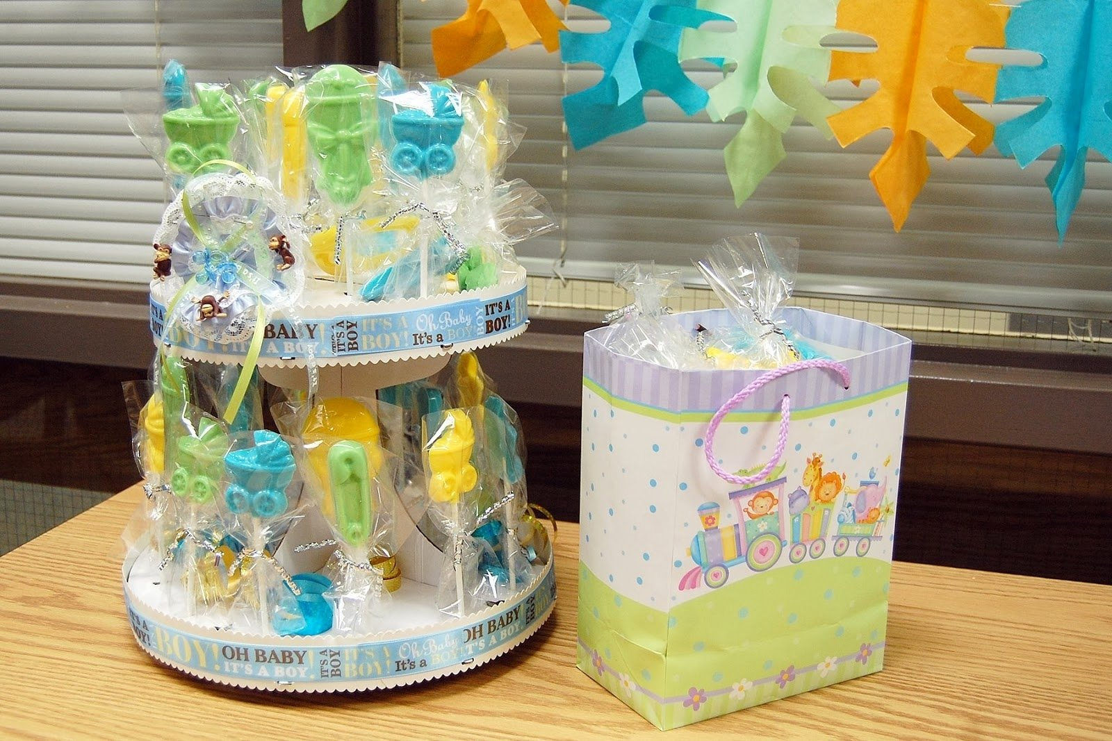 10 Gorgeous Gift Ideas For Little Boys photo baby shower gifts and image 2 2020