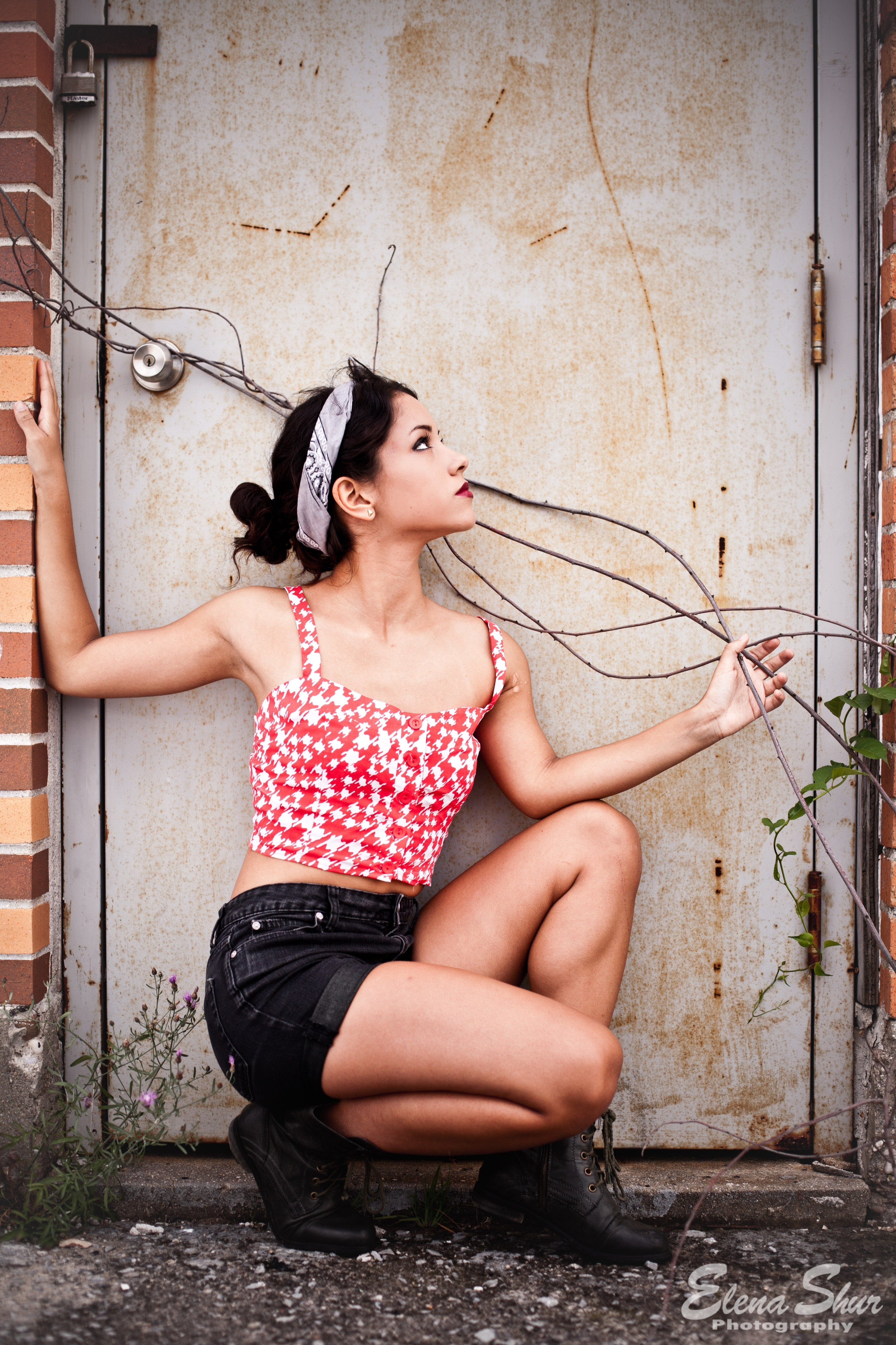 10 Beautiful Pin Up Girl Photoshoot Ideas photo by elena shur edgy and vintage photoshoot with a pin up