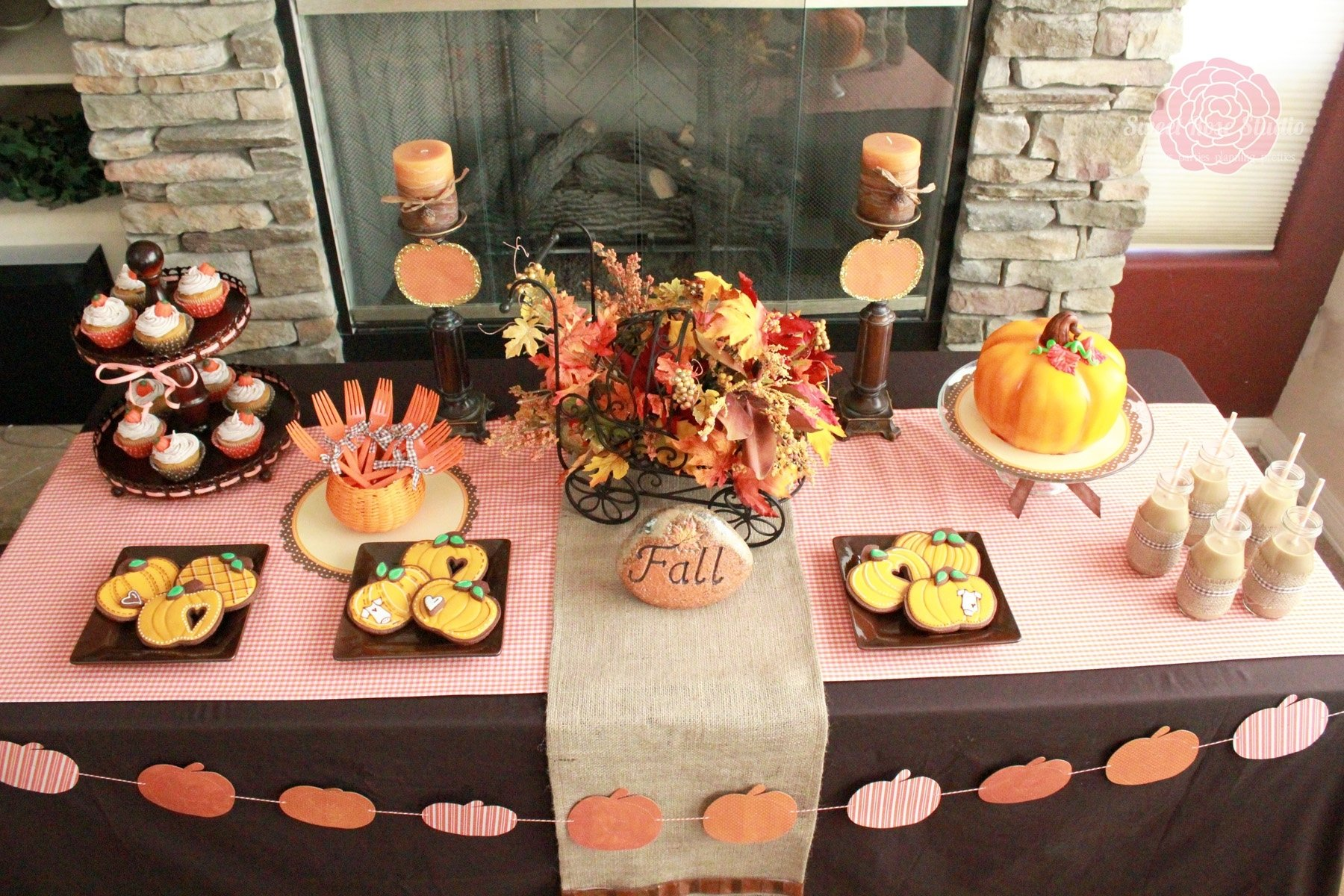 10 Gorgeous Fall Themed Baby Shower Ideas photo fall baby shower drinks image ideas girls loversiq 2020