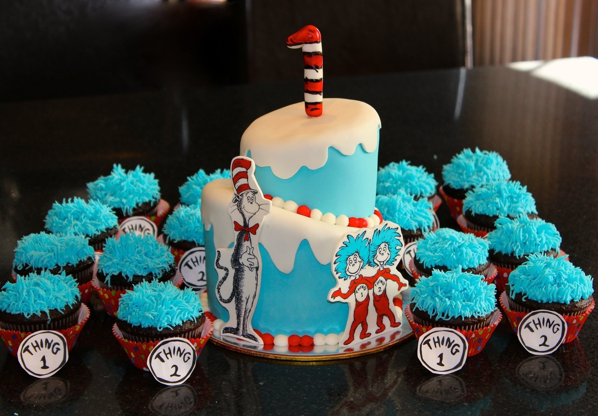 10 Awesome Thing 1 And Thing 2 Cake Ideas photo galleries