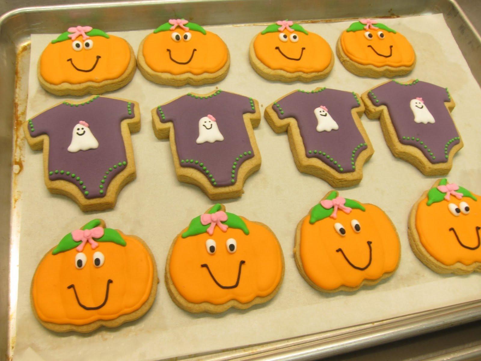 10 Fantastic Halloween Themed Baby Shower Ideas photo homemade halloween baby shower image 2020