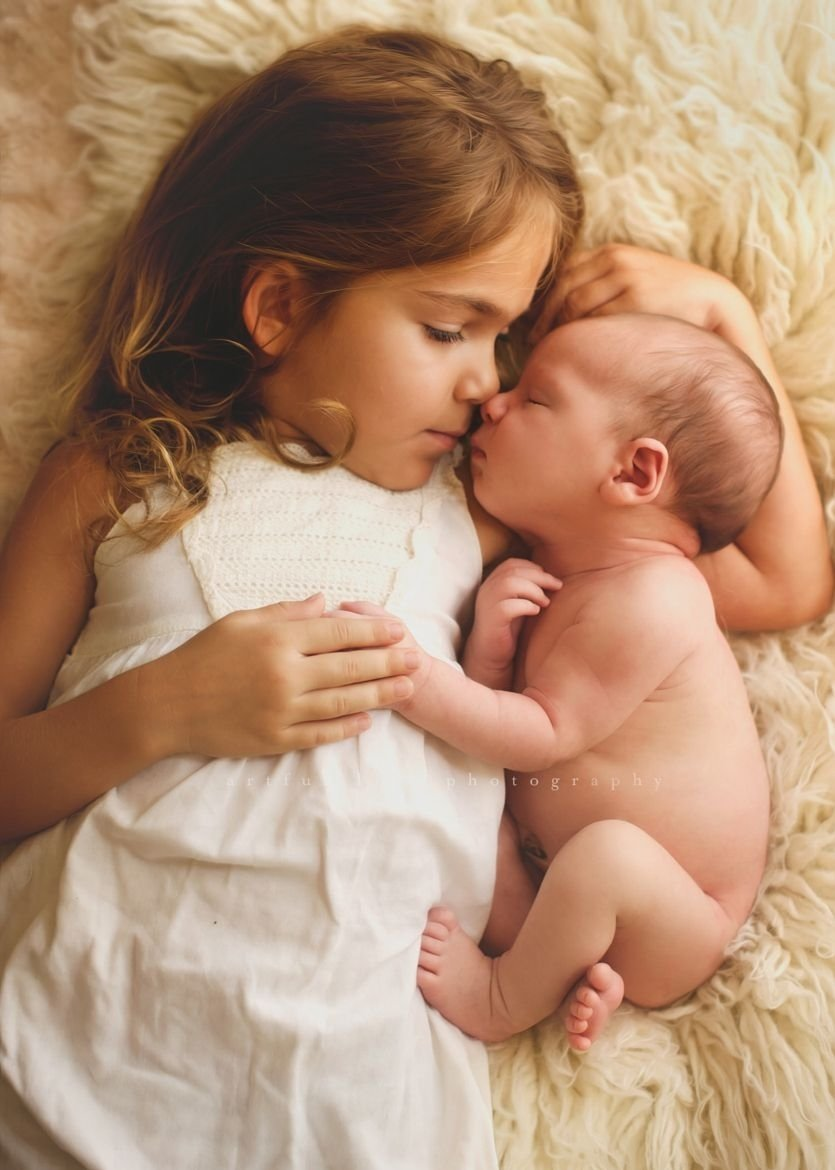 10 Stylish Newborn Photo Ideas With Siblings photograph unbreakable bondc russ on 500px baby photography 2020