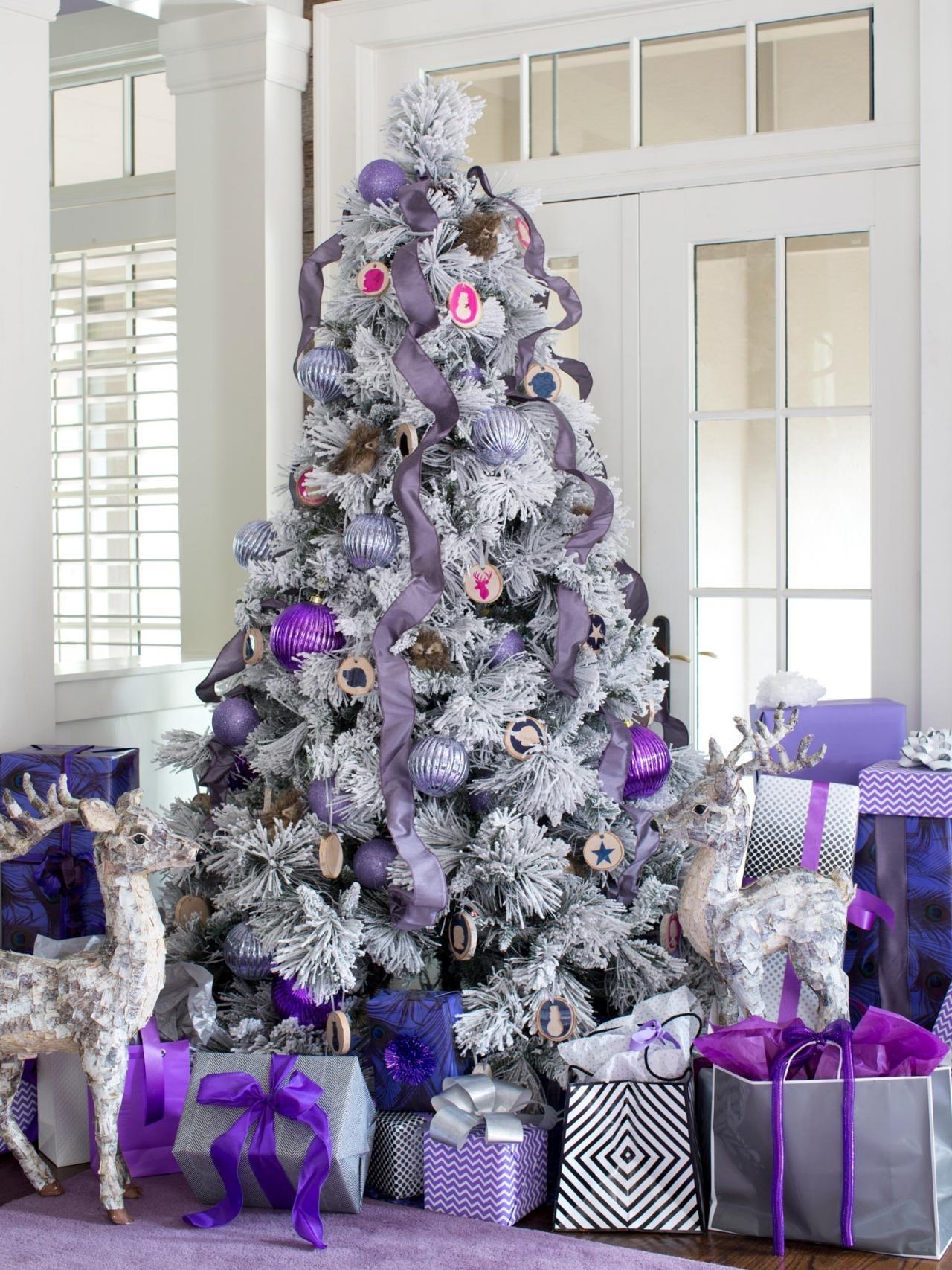 10 Attractive Hgtv Christmas Tree Decorating Ideas %name 2020
