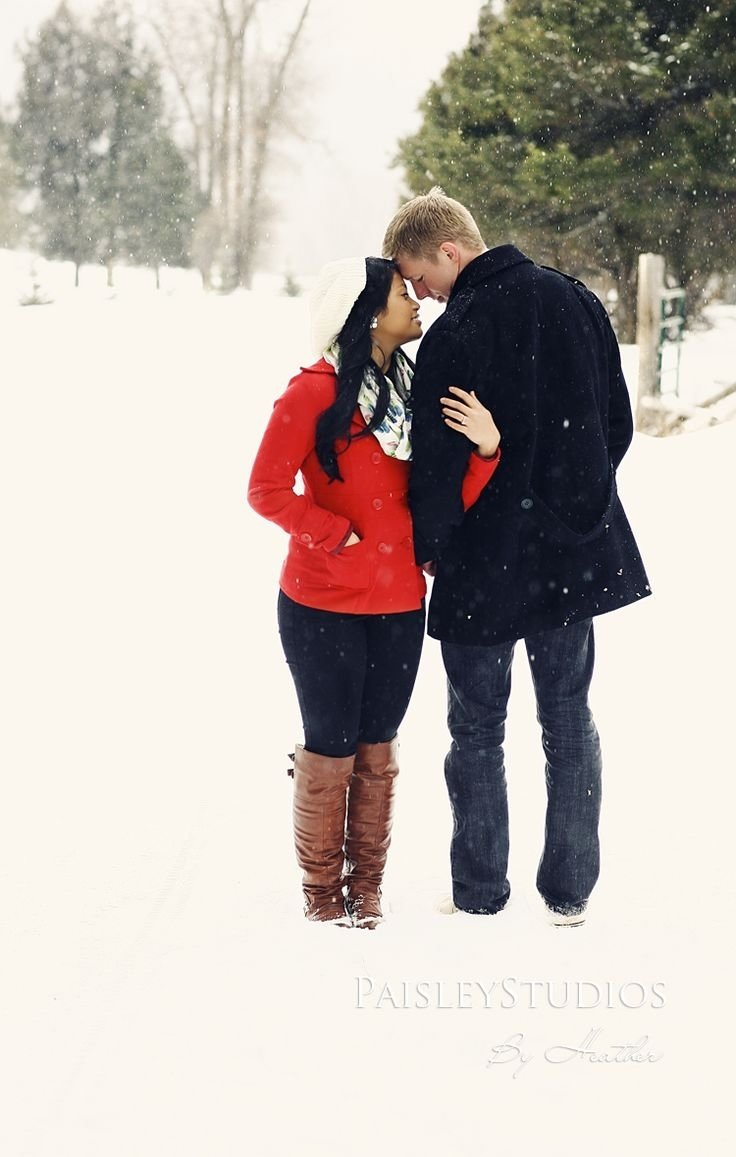 10 Wonderful Cute Couple Christmas Picture Ideas pics of back poses cute real best 20 couple christmas pictures 2020