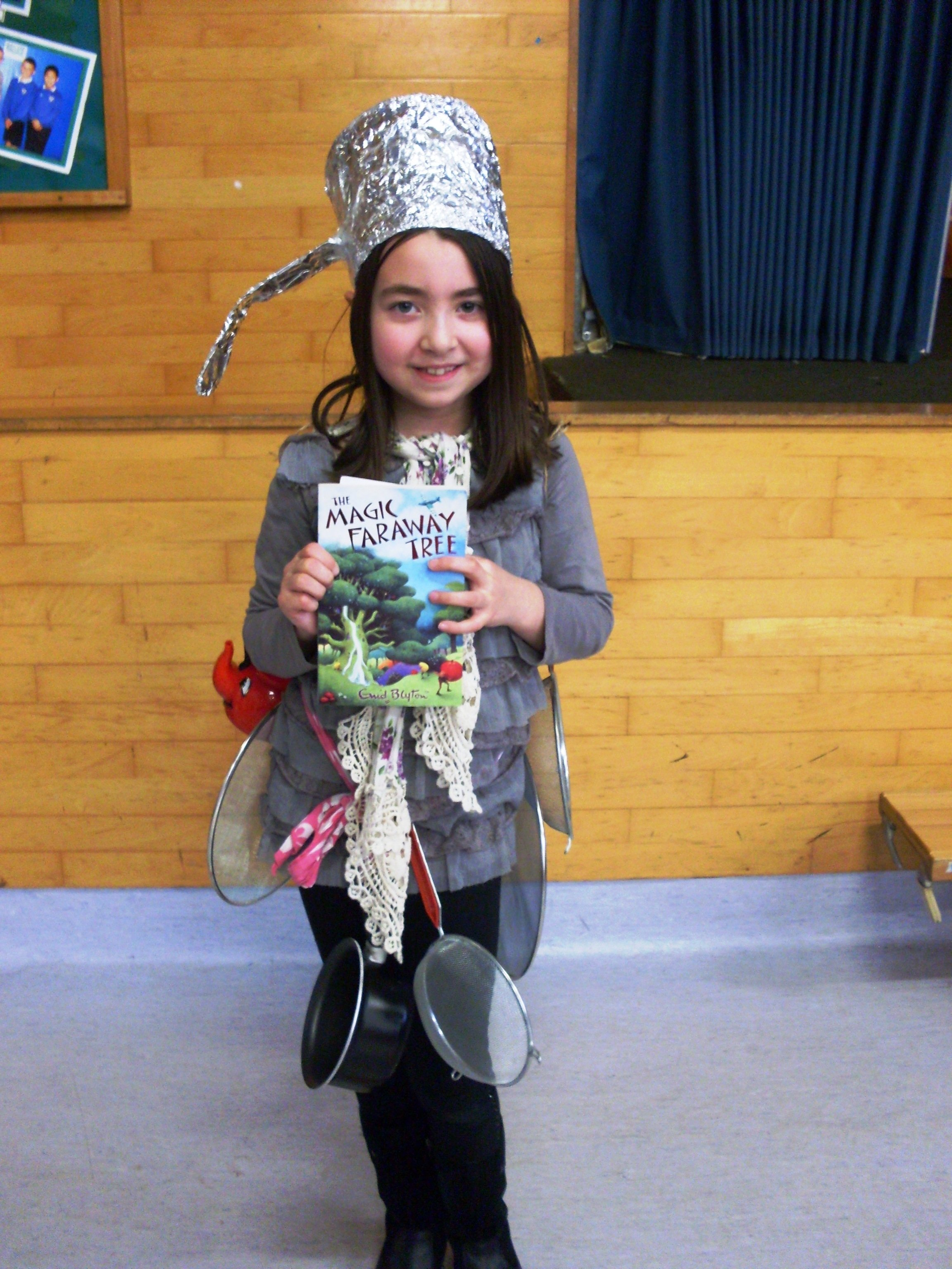 10 Cute Character Day Ideas For Girls pincindy colson on dress up as your favourite book character 1 2020