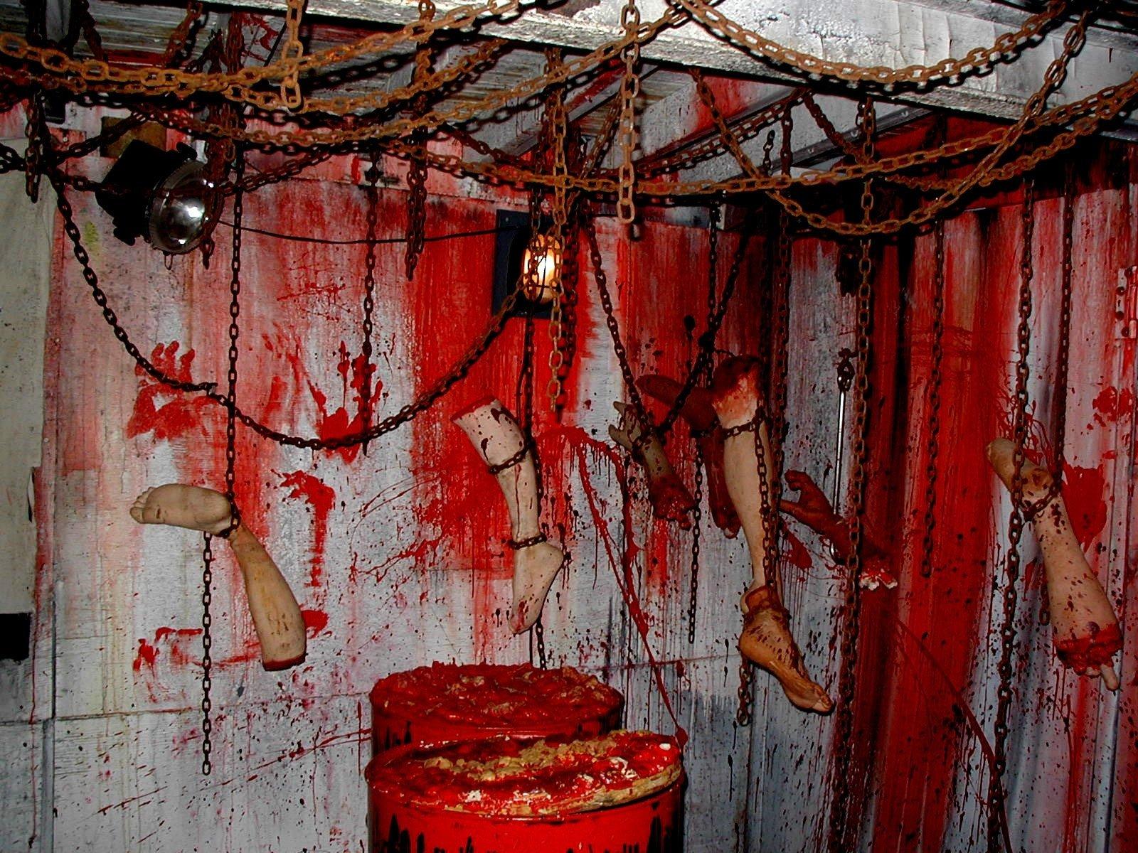 10 Stunning Halloween Haunted House Room Ideas pinelizabeth gobin mcelney on halloween pinterest haunted 2 2021