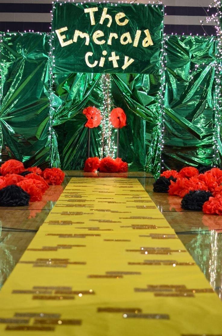 10 Unique Wizard Of Oz Decoration Ideas pinemmanuella jeirles on halloween theme pinterest halloween 2020