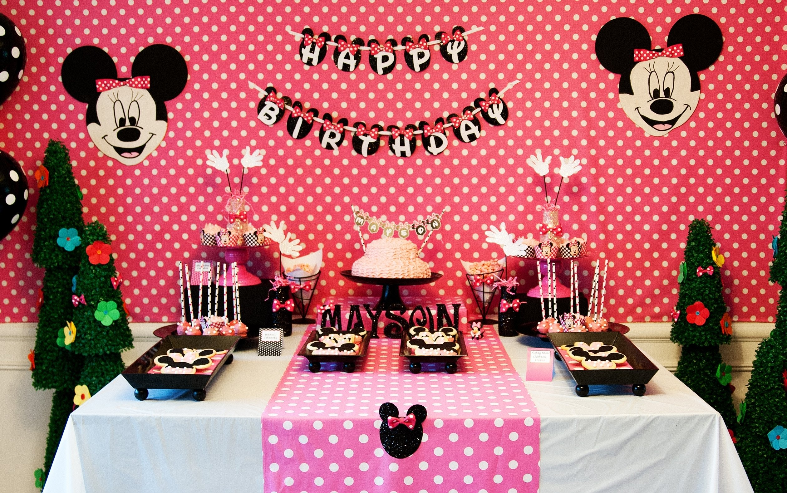 10 Unique Minnie Mouse Birthday Decoration Ideas pink minnie mouse birthday party minnie mouse party collection 1 2020