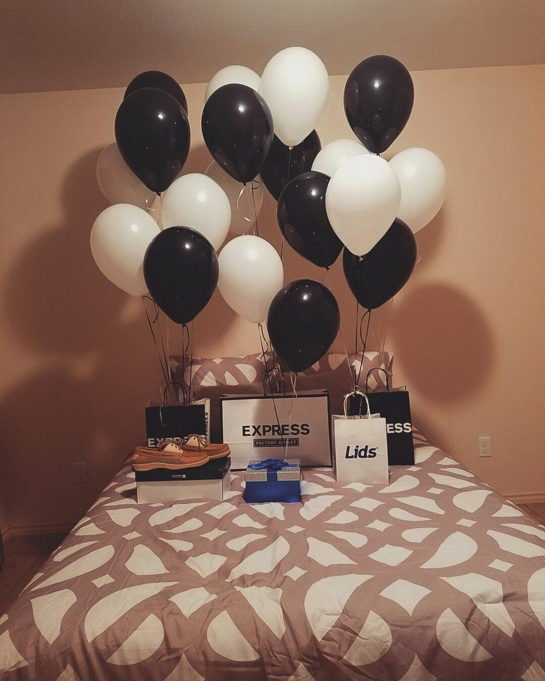 10 Fashionable Birthday Surprise Ideas For Girlfriend 2019