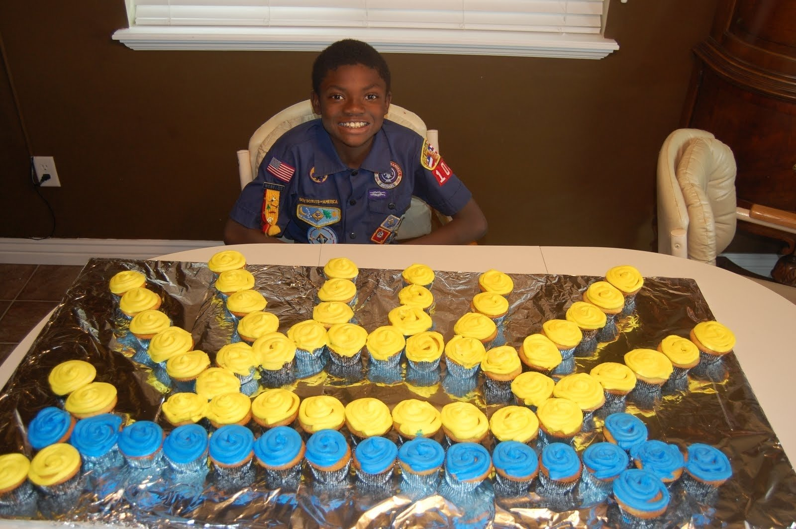 10 Cute Eagle Scout Service Project Ideas pony express district cub scouts blue and gold table decor ideas 1 2021