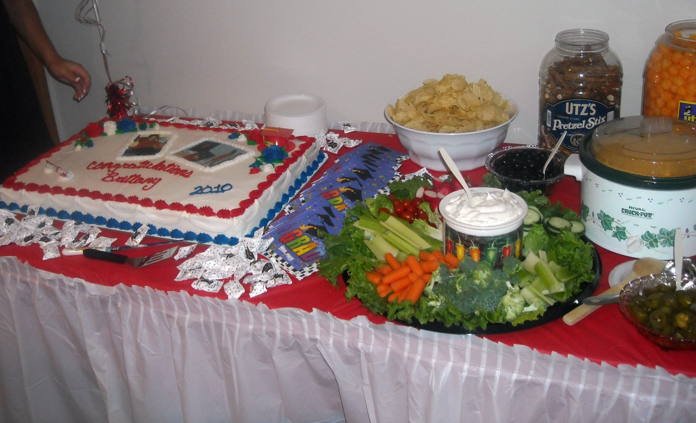 10 Stylish Graduation Open House Menu Ideas pool colorful grad party decorations to host an graduation 2020