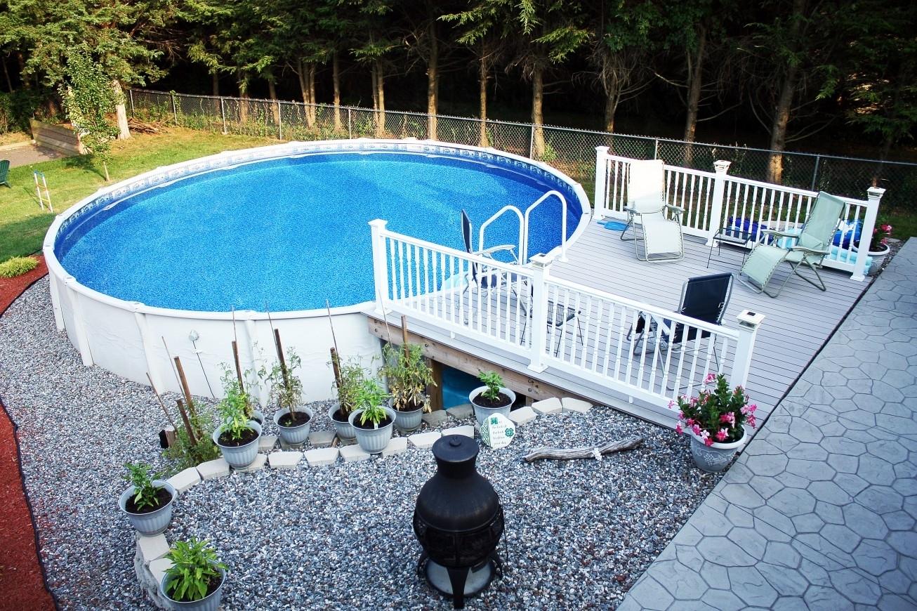 10 Stylish Above Ground Pool Landscape Ideas %name 2020