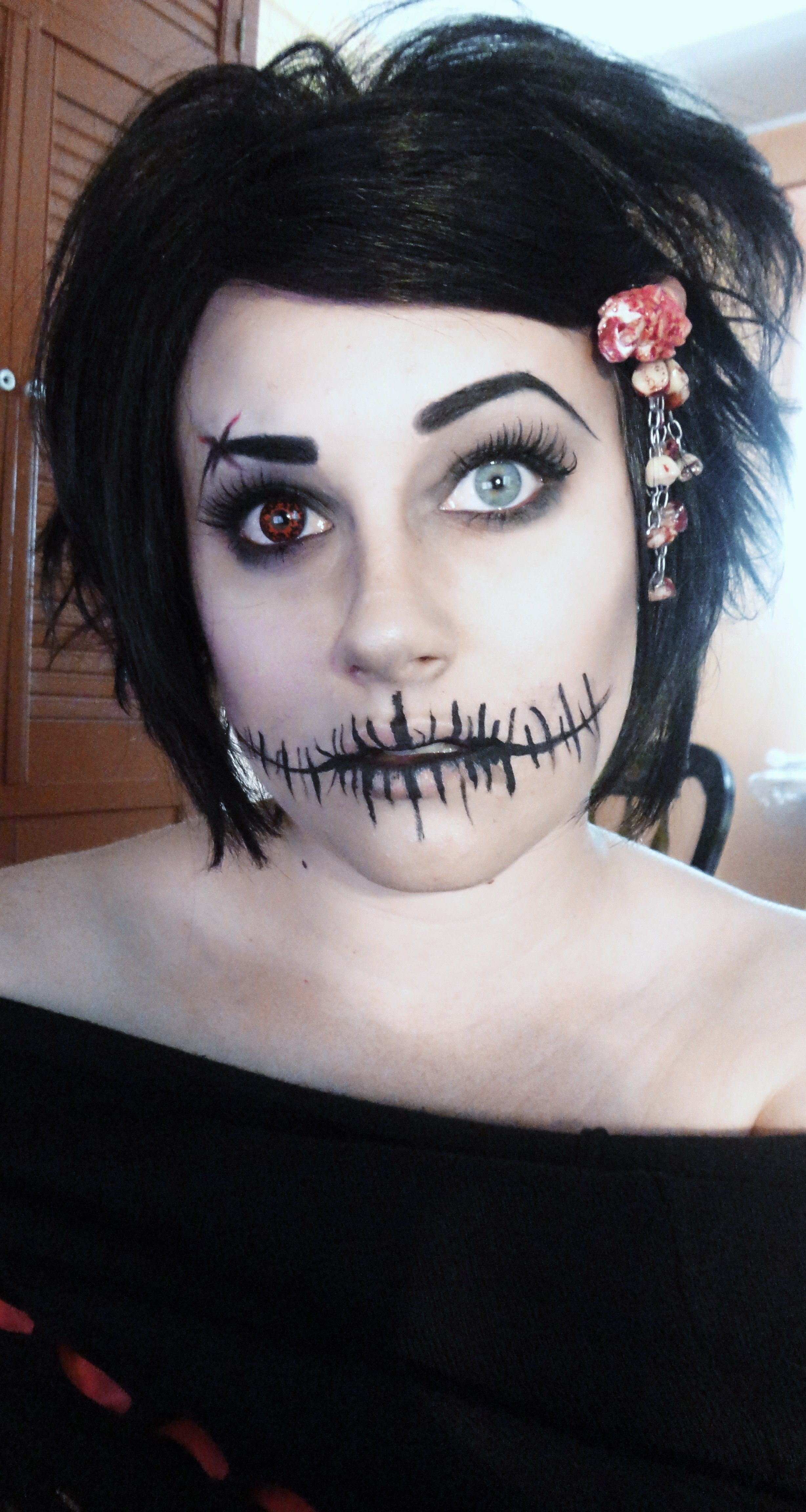 10 Wonderful Black And White Face Paint Ideas For Halloween pretty freakin awesome halloween makeup 3 halloween fall 1 2020
