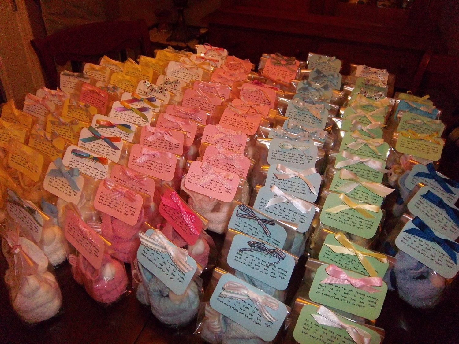 10 Pretty Ideas For Baby Shower Prizes prize ideas for a coed baby shower e280a2 baby showers design 2020