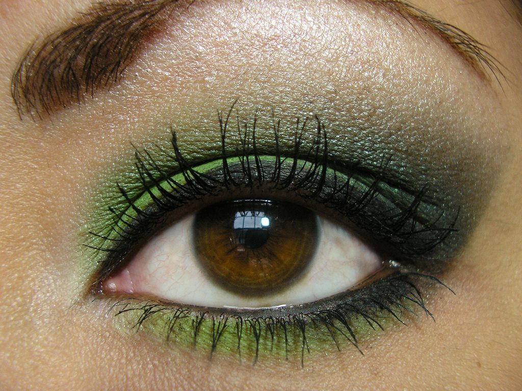 10 Lovable Prom Makeup Ideas For Hazel Eyes prom makeup for hazel eyes glam gowns blog