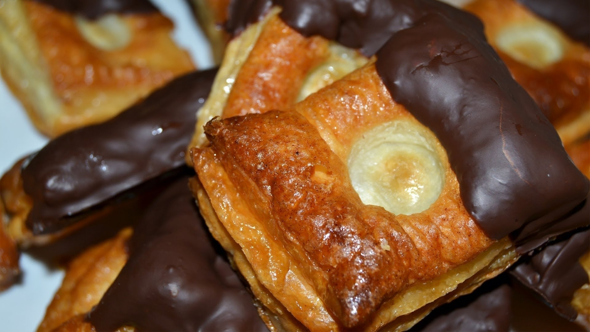 puff pastries with chocolate & honey - easy puff pastry dessert