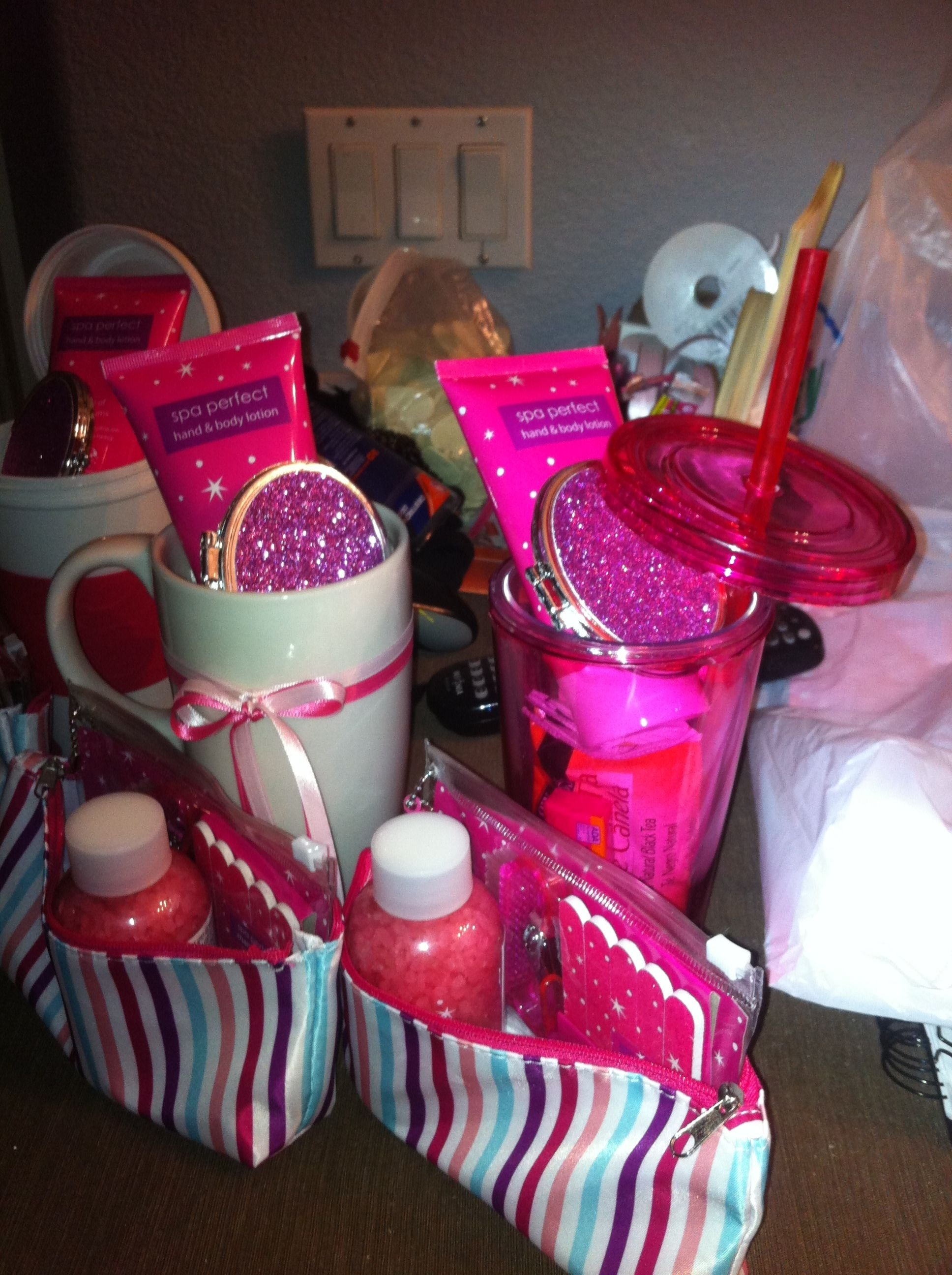 10 Spectacular Cheap Baby Shower Gift Ideas put together these baby shower gifts for the game winners easy cute 1