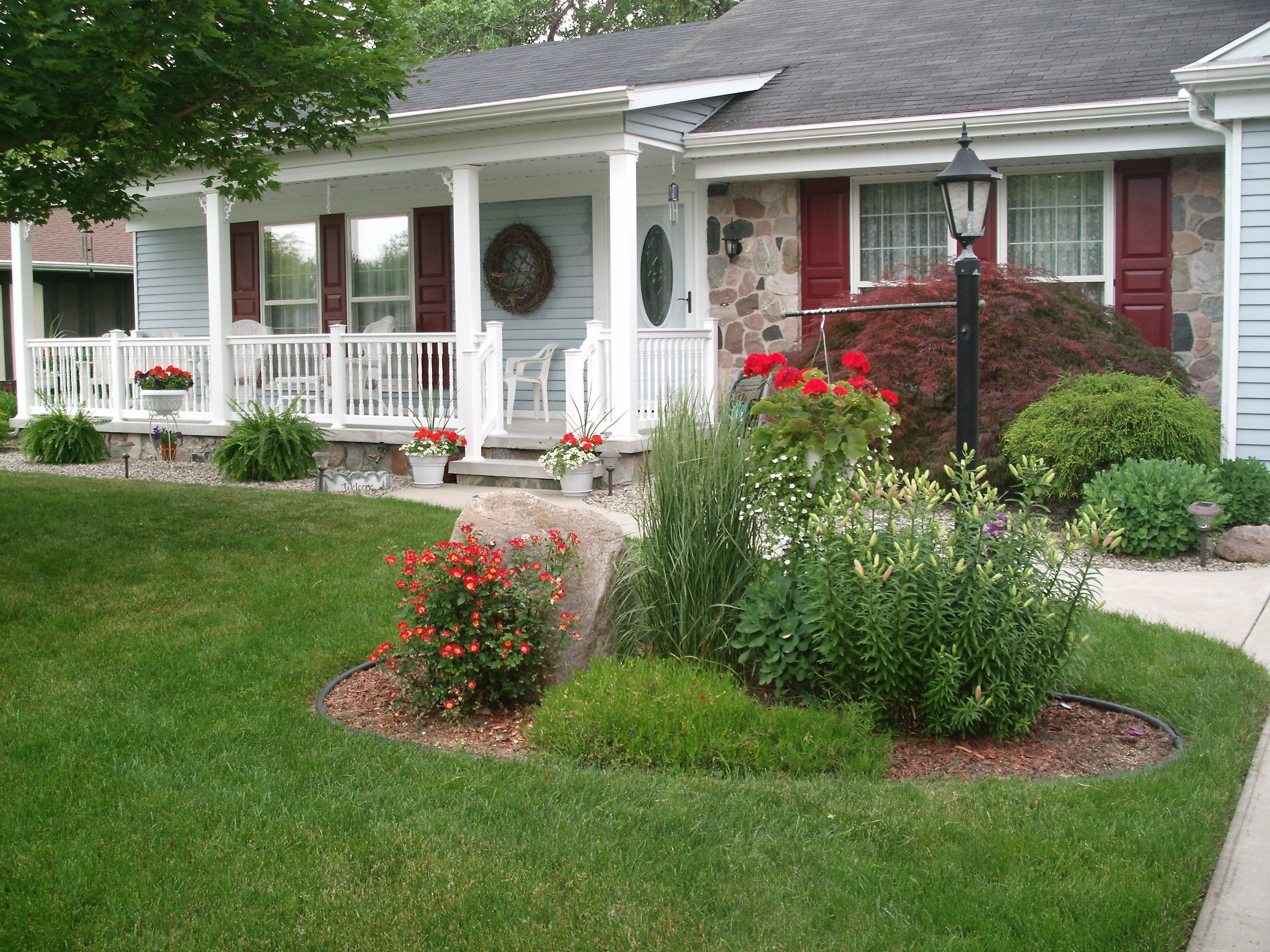 10 Spectacular Front Yard Flower Bed Ideas quaint flower front yard gardens beautiful garden ideas bed for of 2020