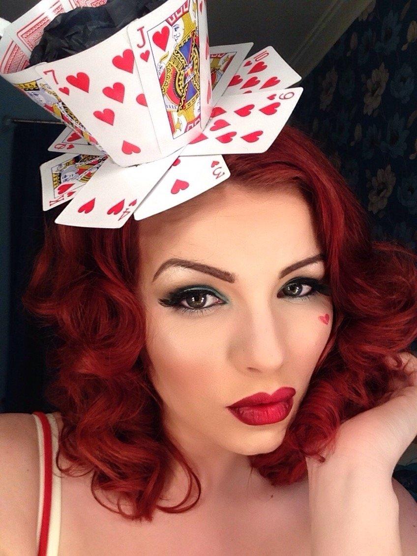 10 Trendy Queen Of Hearts Makeup Ideas queen of hearts make up tutorial tricky little corset 2020