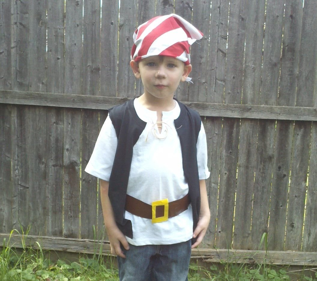 10 Attractive Homemade Pirate Costume Ideas For Kids quick and easy pirate costumes take kids to neverland caribbean