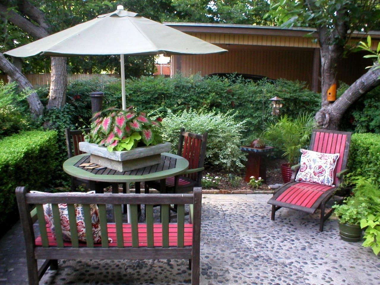 quick + chic outdoor decorating tips   hgtv
