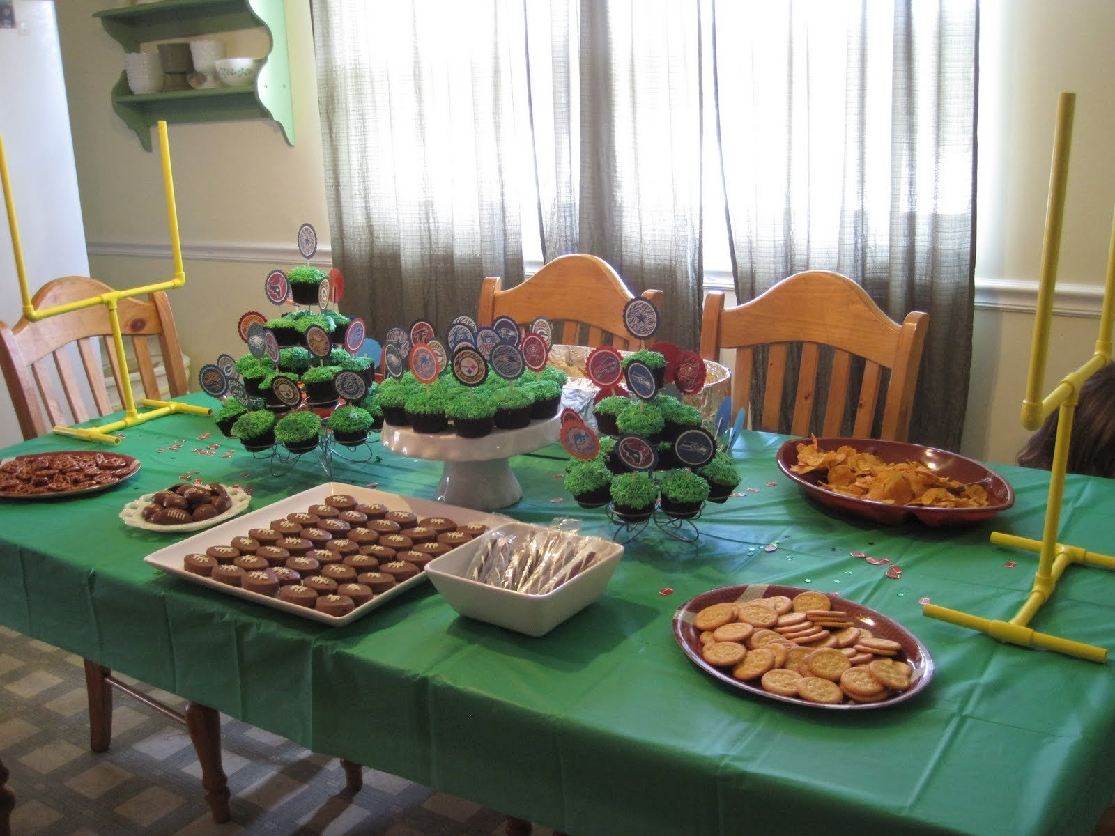 10 Stylish Football Party Ideas For Kids ramblings from the sunshine state football birthday party last 3 2021