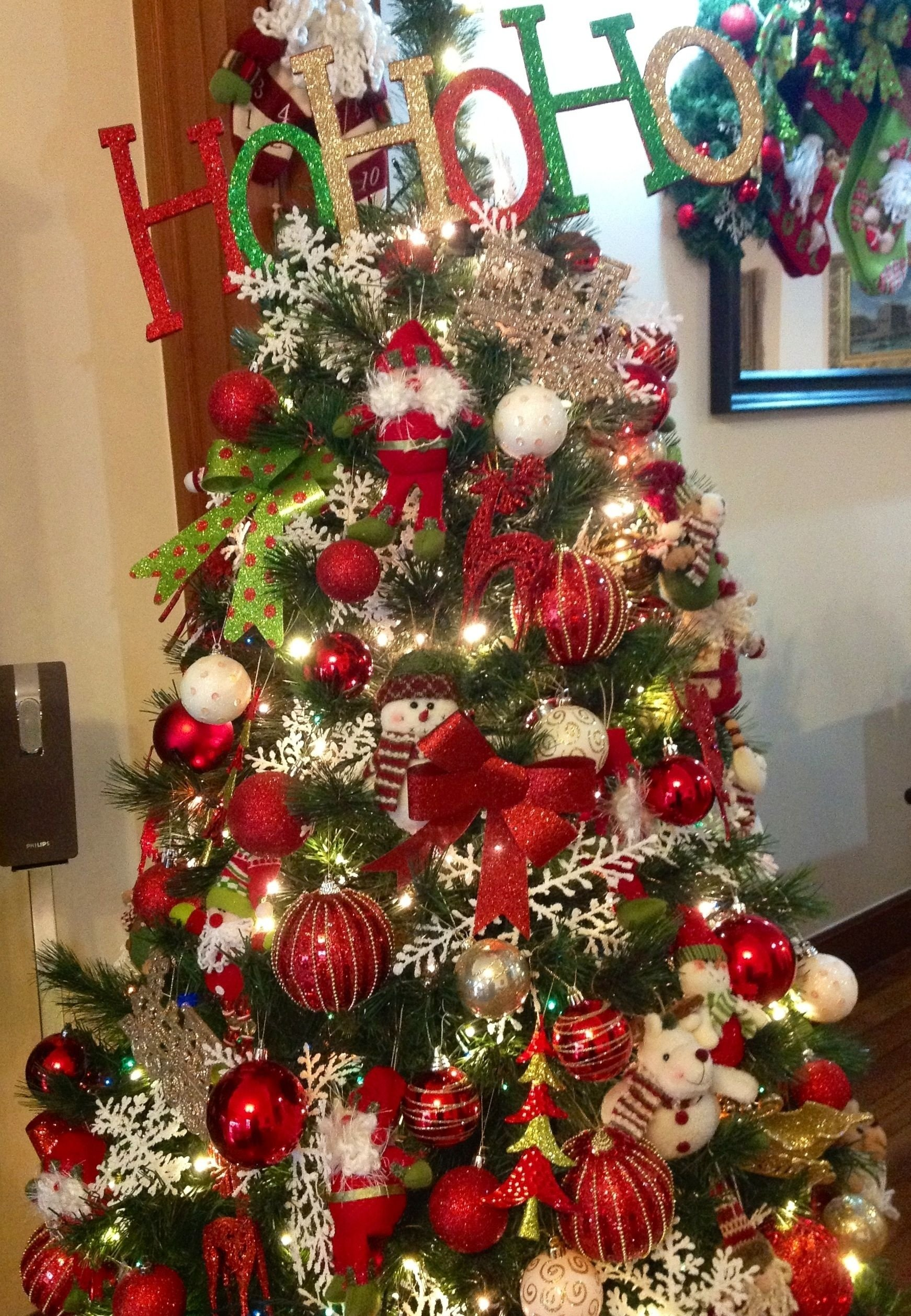 10 Stunning Red Green And Gold Christmas Tree Ideas red green and gold christmas tree ideas for new old home 2021