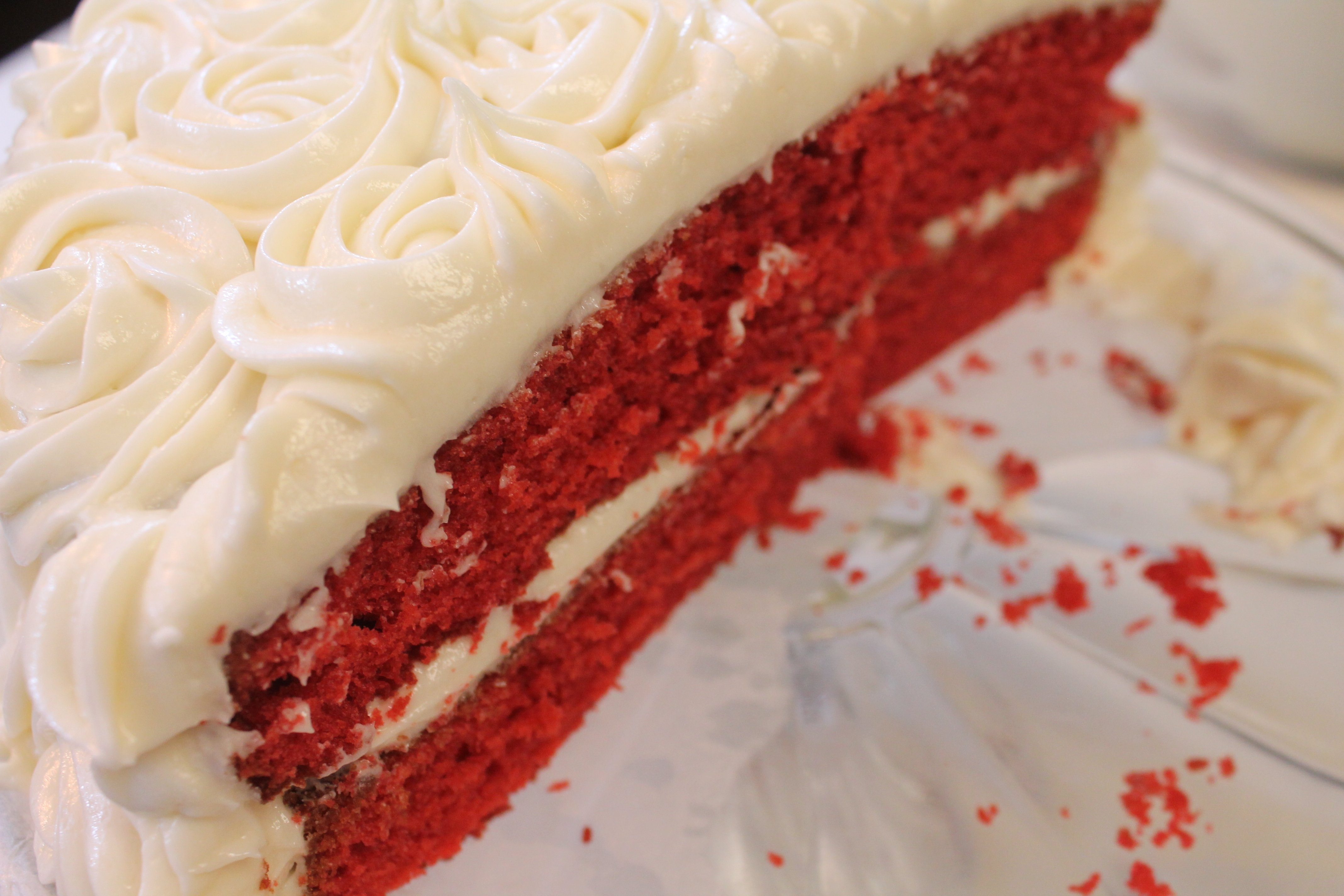 10 Amazing Red Velvet Cake Decorating Ideas red velvet cake recipe i heart recipes 1