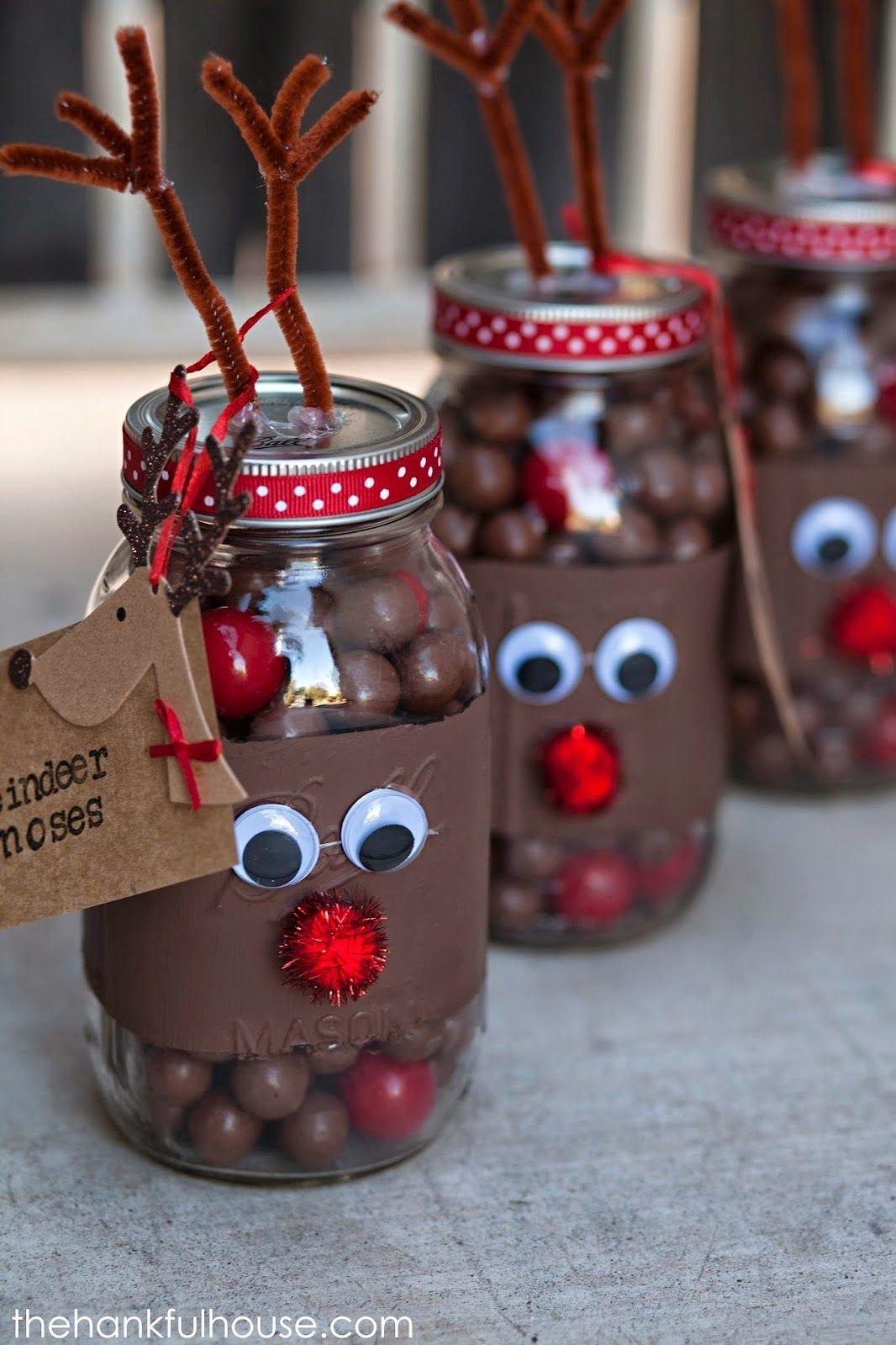 10 Attractive Pinterest Homemade Christmas Gift Ideas reindeer noses gift jars einmachglaser verziert als rentiere 1 2021