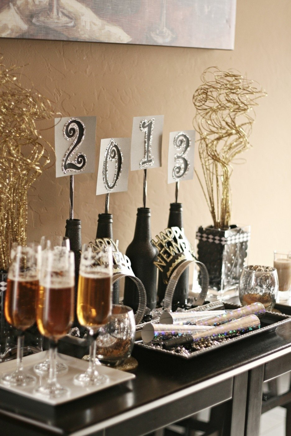 10 Great New Year Party Ideas At Home remarkable simple new year eve party deco establish exquisite bottle 2021