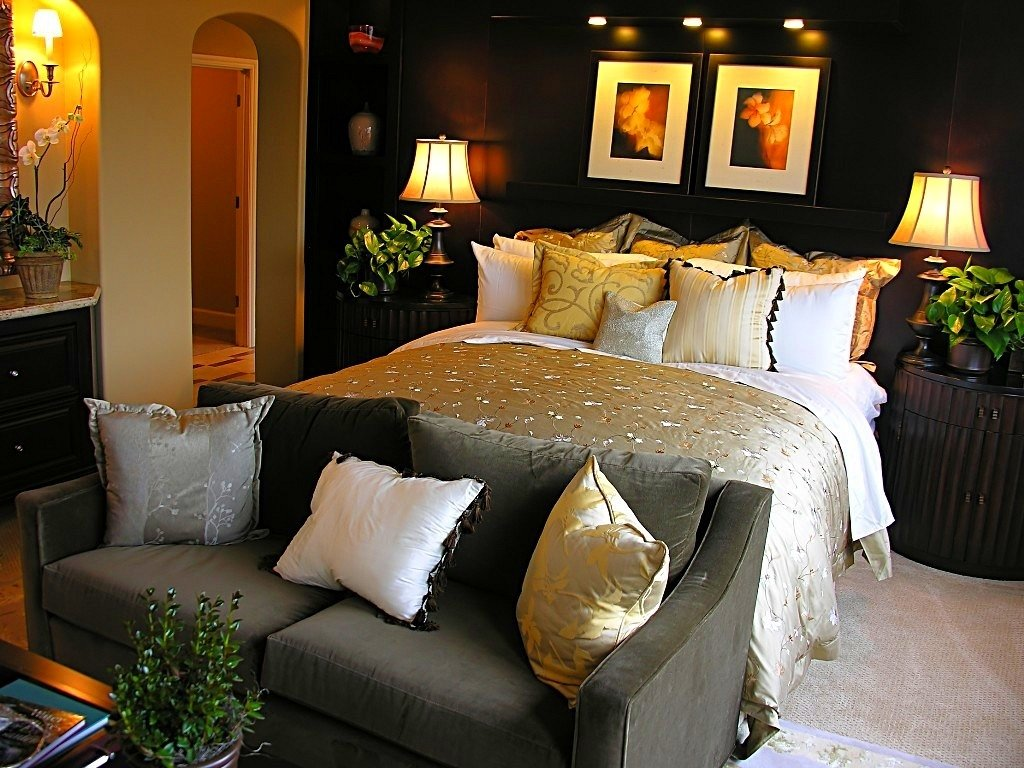 10 Nice Bedroom Color Ideas For Couples romantic bedroom decorating ideas romantic bedroom decorating ideas 2020