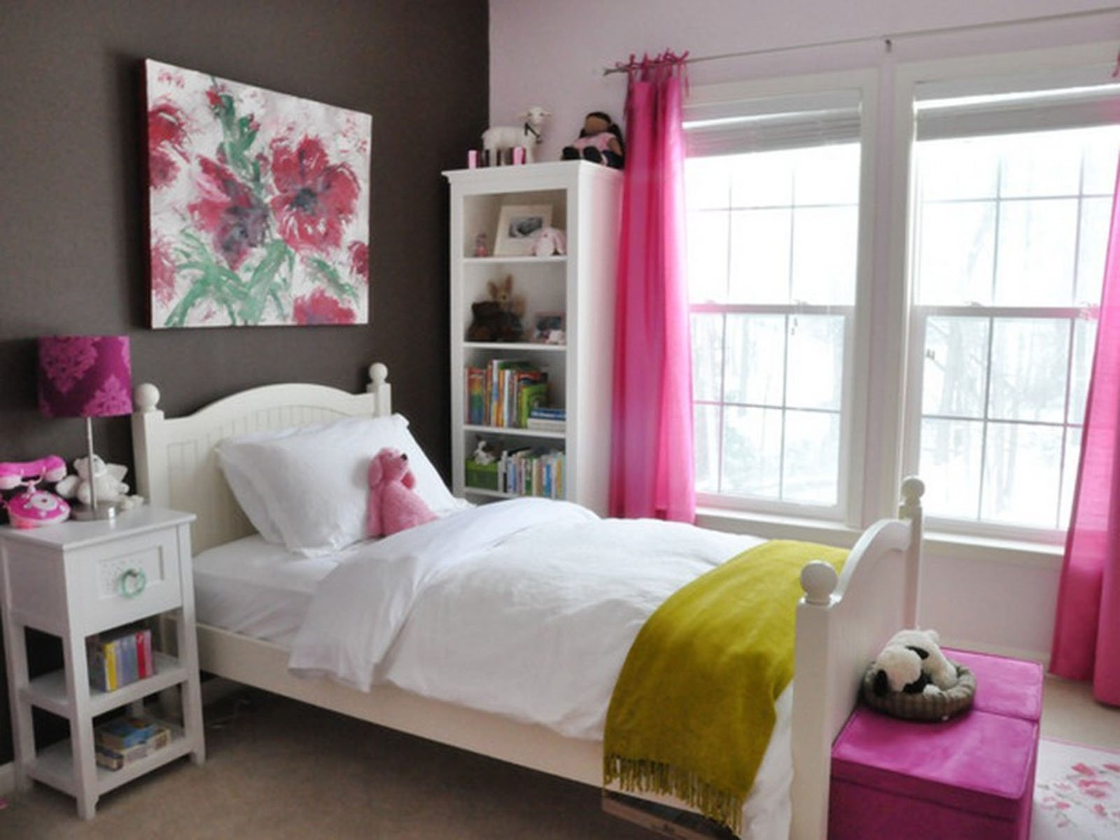 10 Pretty Teenage Bedroom Ideas For Small Rooms room girl design simple and affordable small bedroom decorating 1 2020