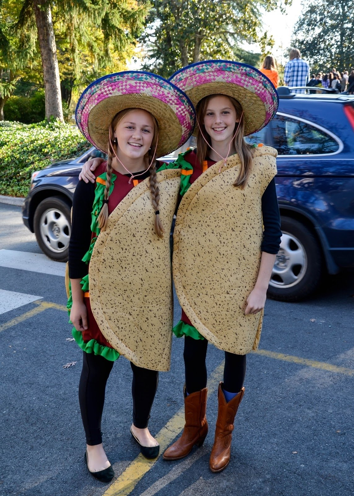 10 Pretty Cute Ideas For Twin Day At School saints instyle 2012