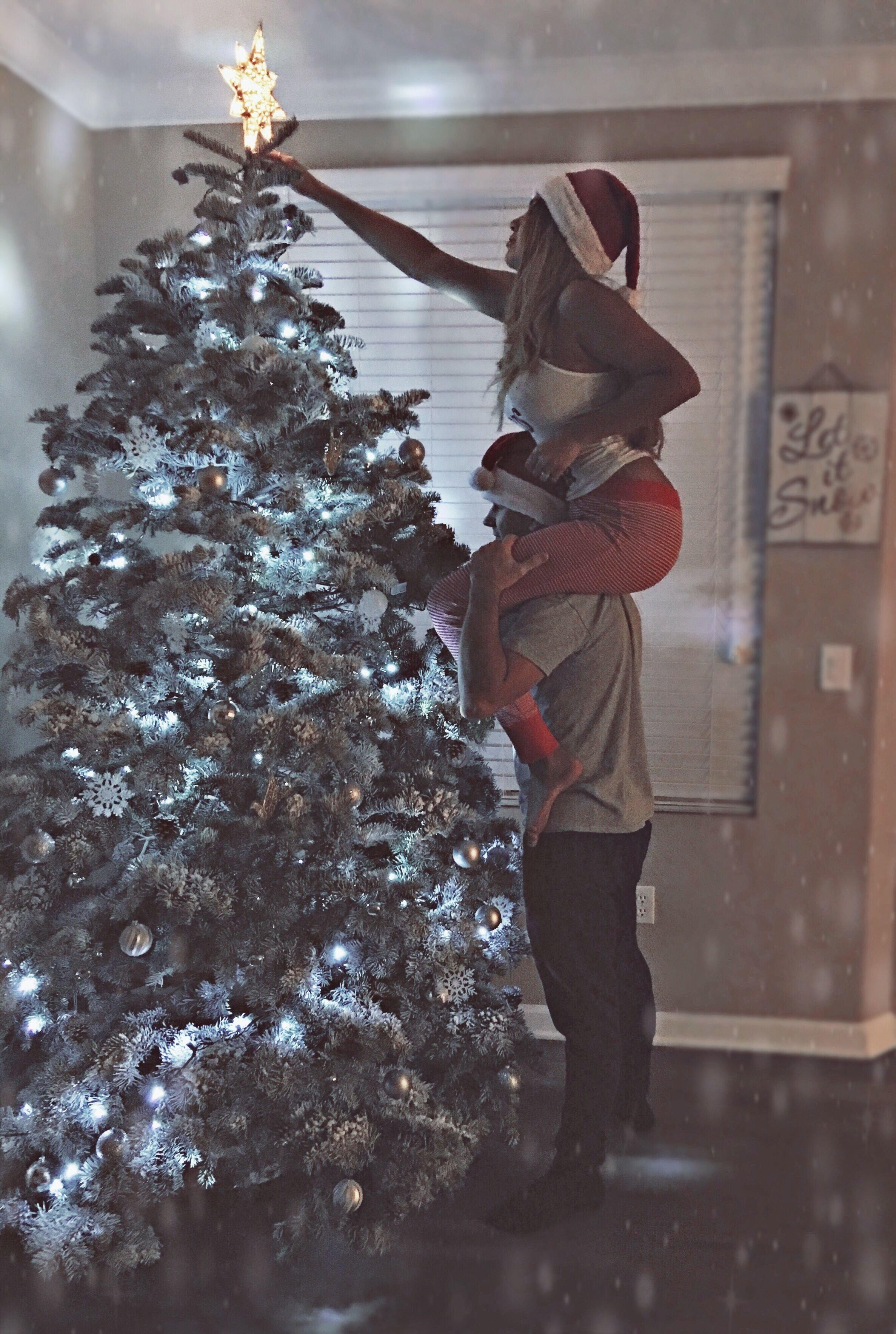 10 Fabulous Christmas Picture Ideas For Couples selenakulikovskiy danikkulikovskiy instagram couple goals photo 1 2020