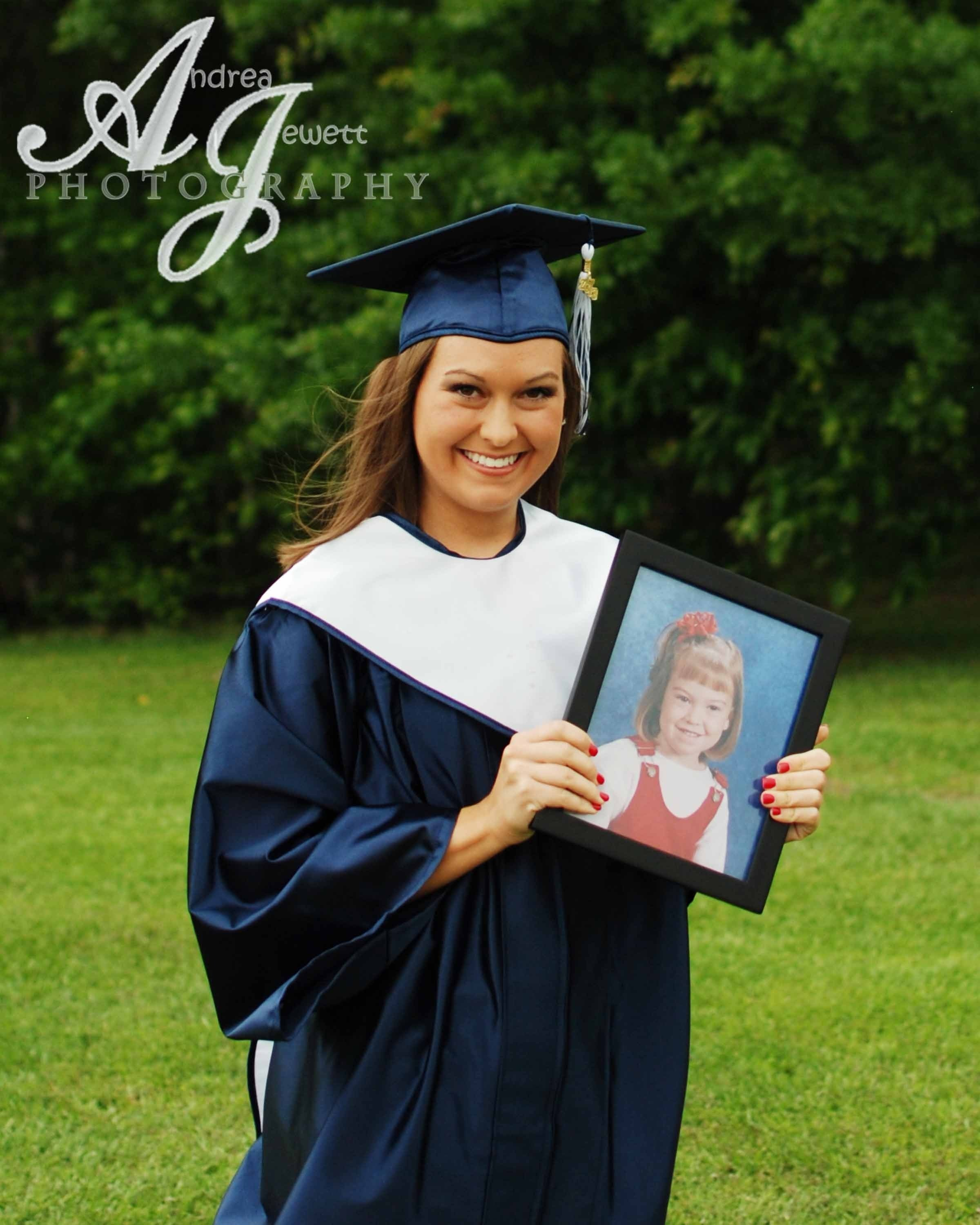 10 Gorgeous Cap And Gown Picture Ideas senior pictures cap and gown photography www facebook 2020